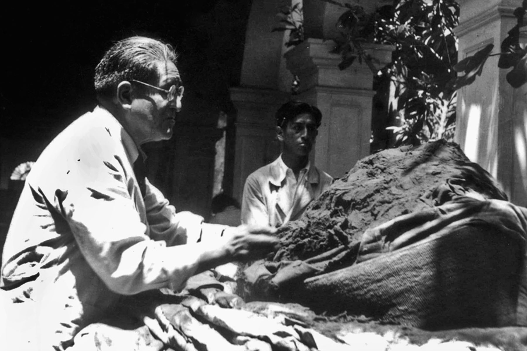 """El próximo 11 de abril se conmemorará el Día del Arqueólogo, en honor a Julio César Tello, considerado el """"Padre de la arqueología peruana"""", y en reconocimiento a todos los arqueólogos que contribuyen al estudio, comprensión, recuperación y revaloración de nuestro patrimonio cultural, rescatando los valores de las antiguas sociedades andinas. ANDINA/archivo"""