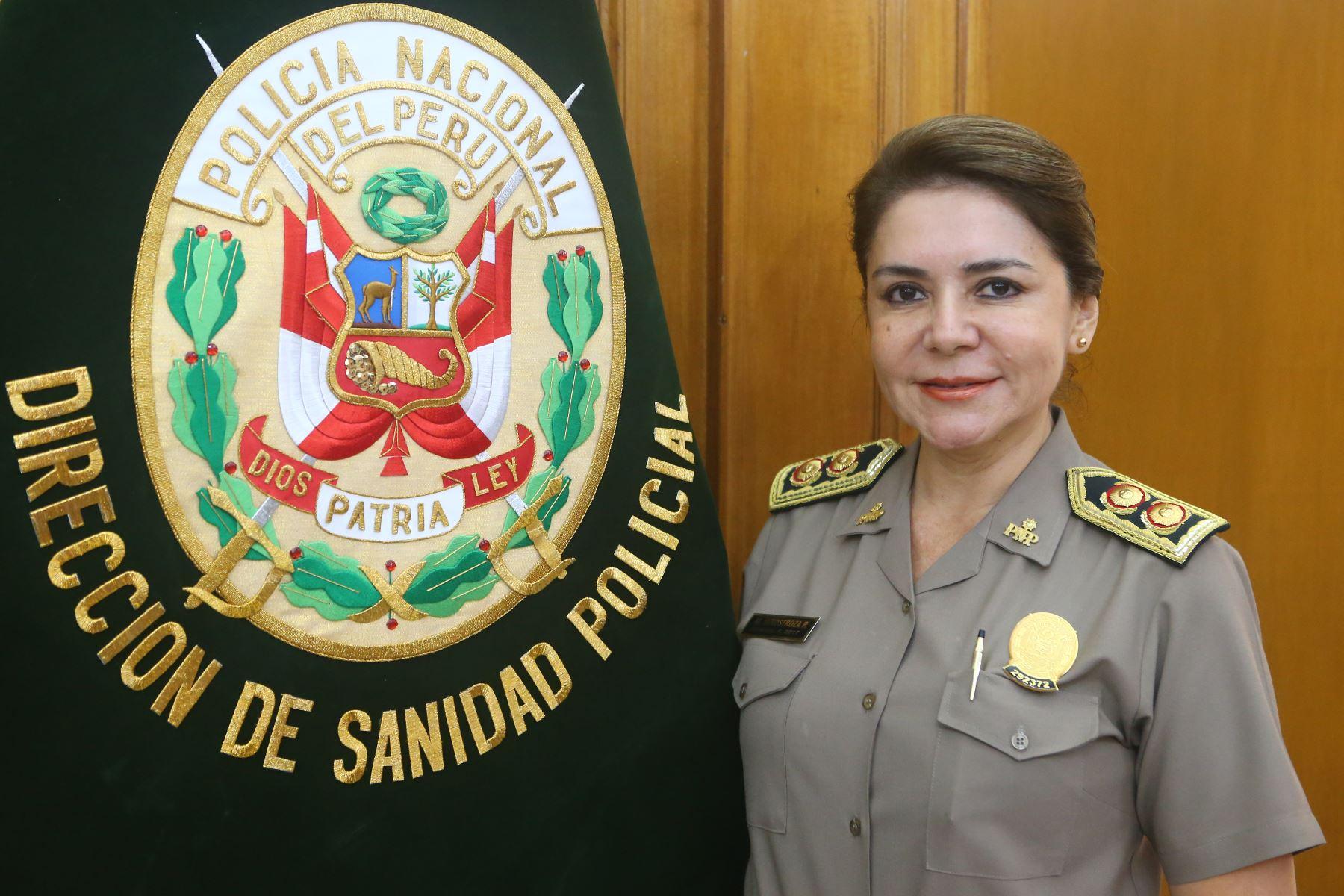 La general Elizabeth Hinostroza está empeñada en diseñar políticas de salud a favor de la familia policial. ANDINA/Héctor Vinces