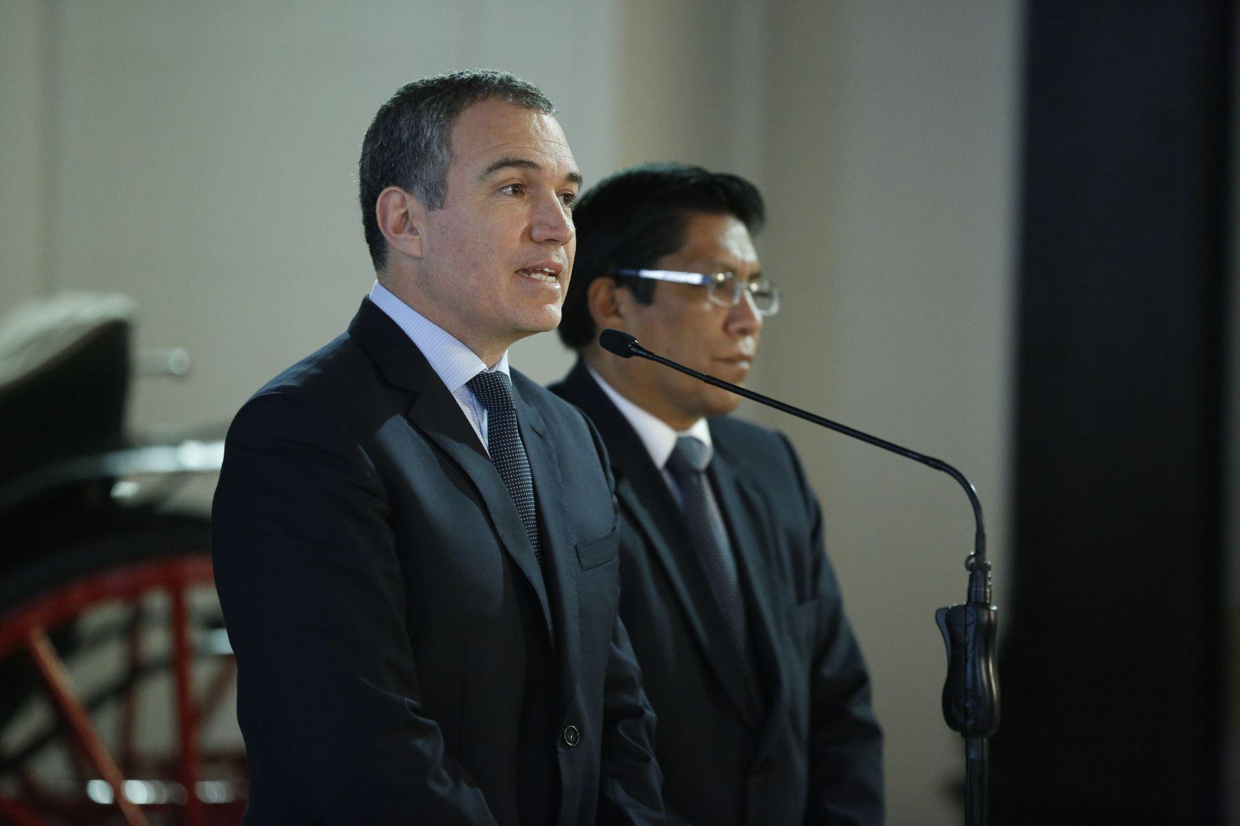 Conferencia de prensa del Primer ministro Salvador del solar y el ministro de Justicia , Vicente Zeballos tras reunión con voceros de bancadas del Congreso. Foto: ANDINA/PCM