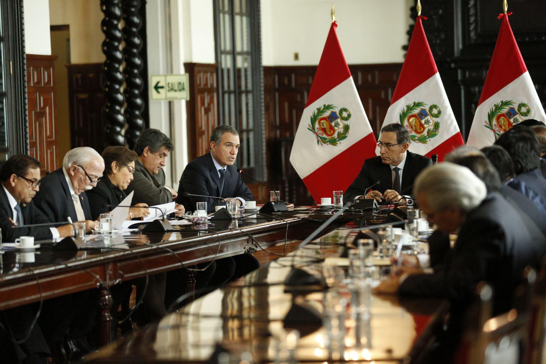 Presidente Vizcarra se reúne con voceros para ver alcances de reforma política. Foto: ANDINA/PCM