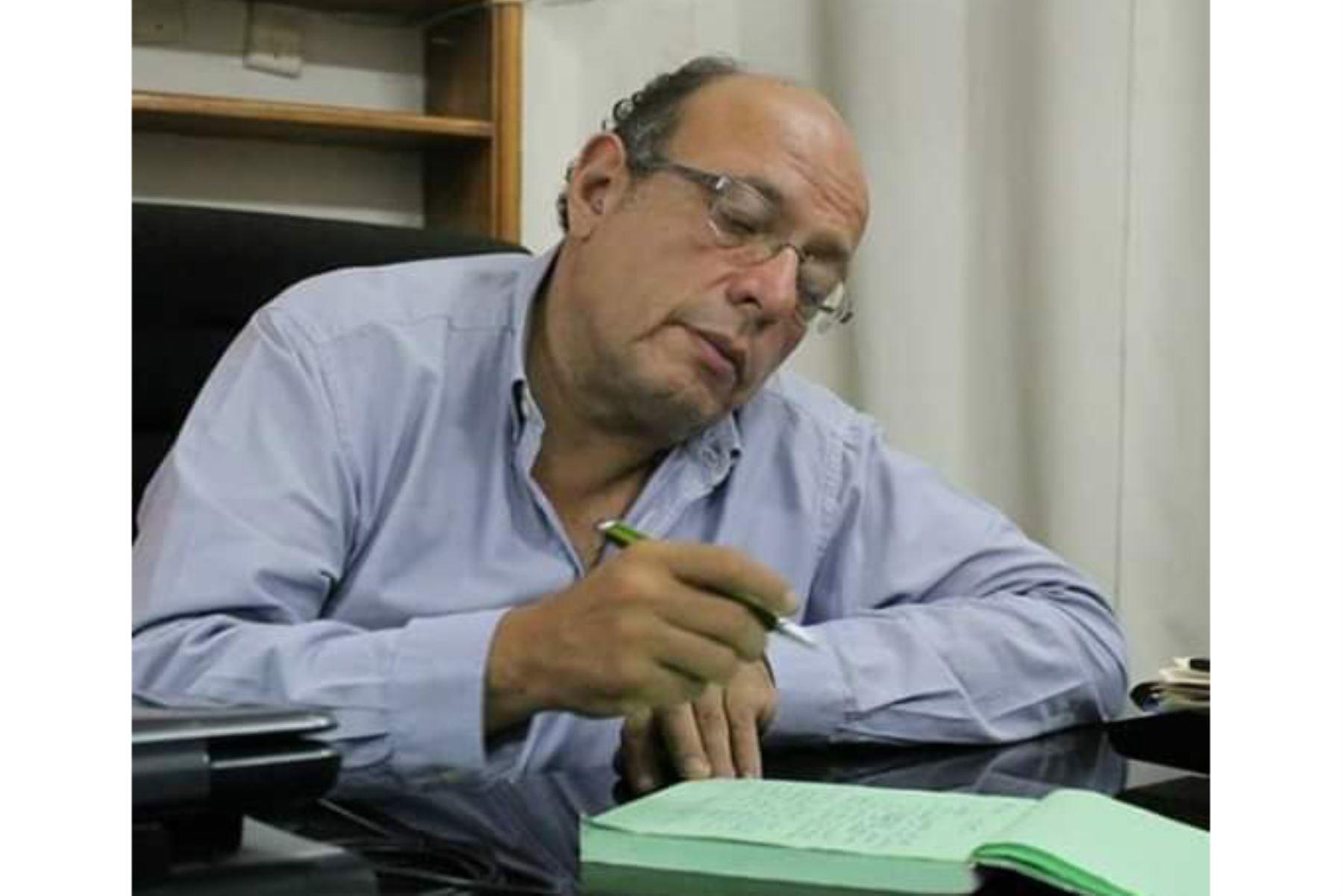 Excongresista Carlos Chipoco.