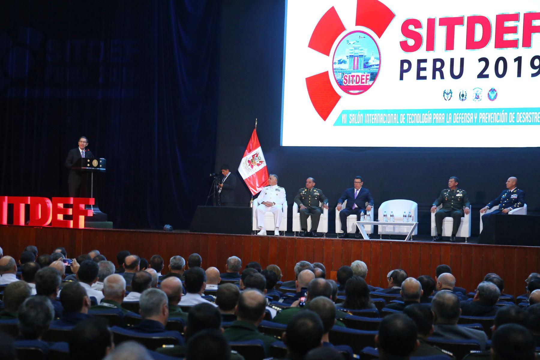 Presidente Martín Vizcarra inaugura el VII Salón Internacional de Tecnología para la Defensa y Prevención de Desastres – SITDEF 2019. Foto: ANDINA/ Vidal Tarqui