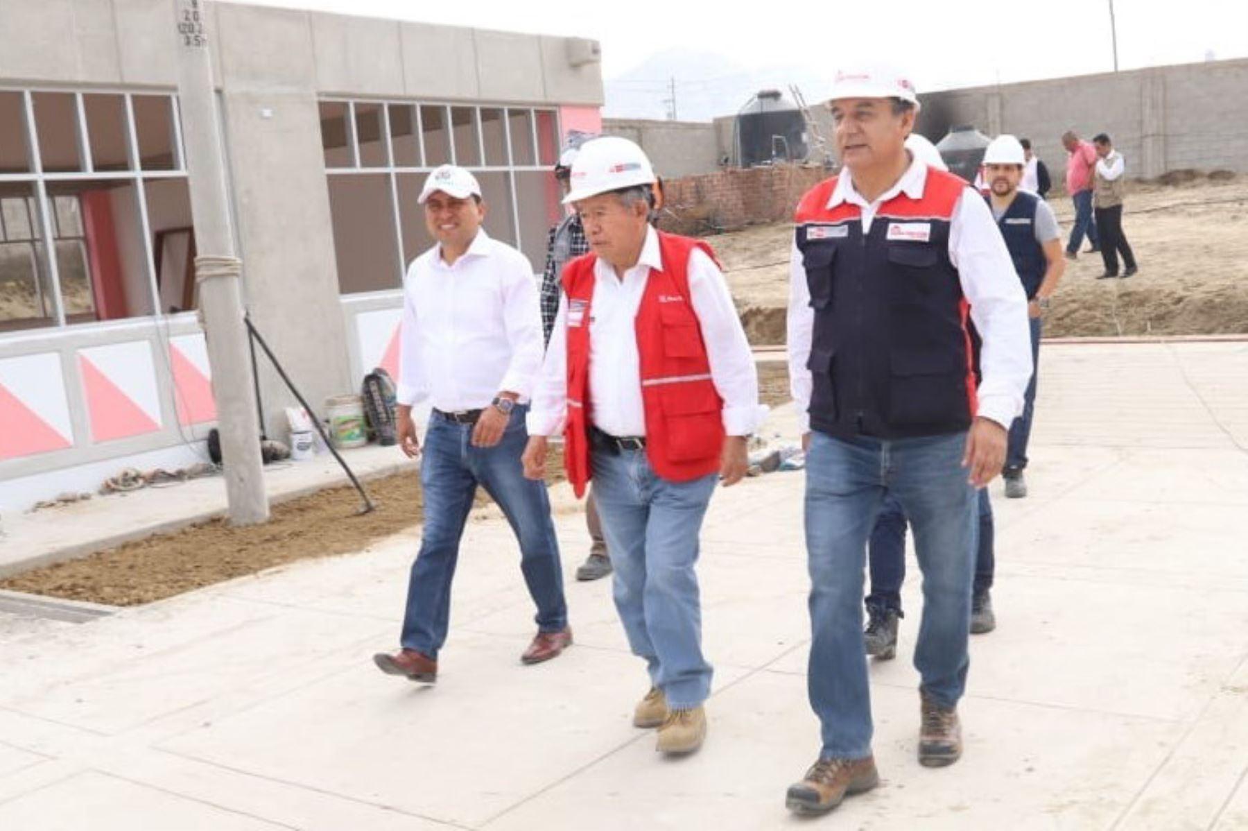 Trujillo: avanza reconstrucción de colegios en La Esperanza y Santiago de Cao
