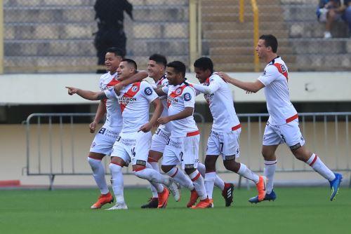 Universitario perdió 4 a 2 ante Deportivo Municipal por el torneo Apertura de la Liga 1