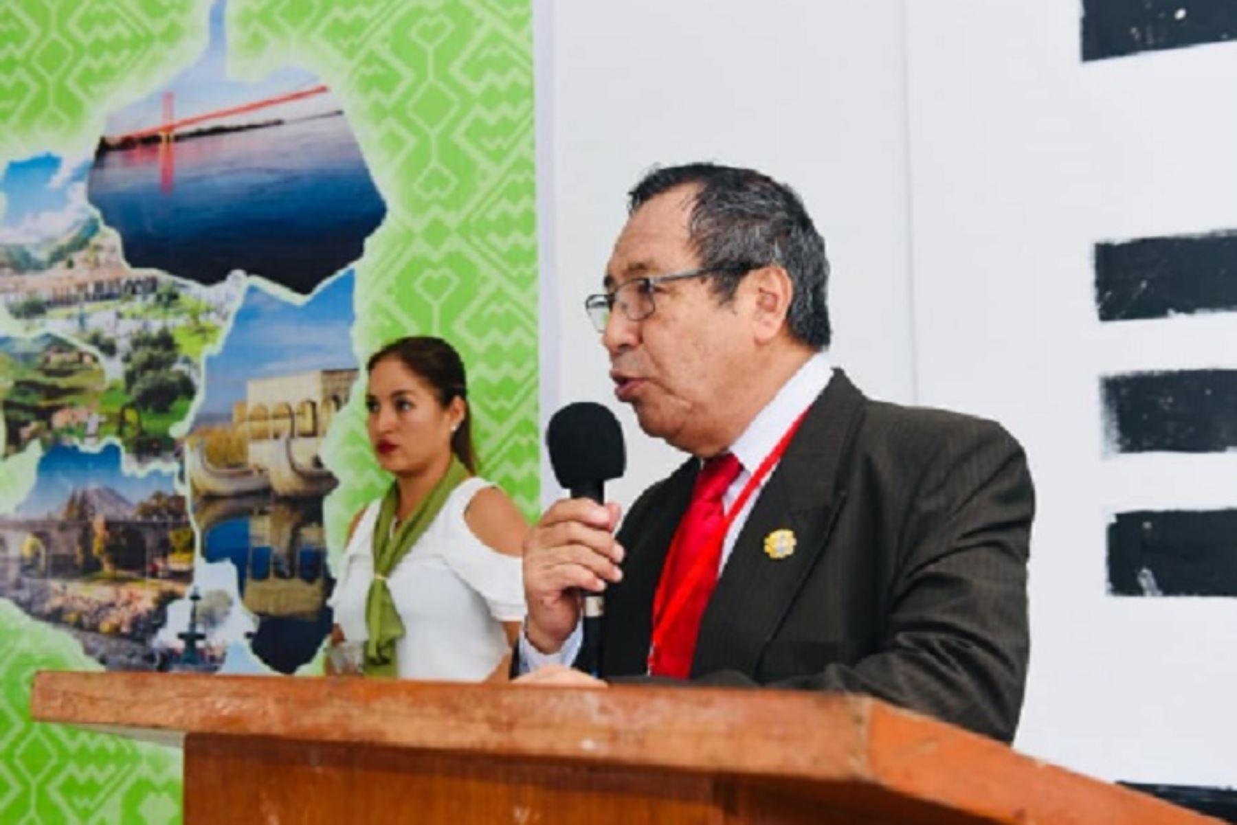 Gobernador Luis Hidalgo informó que acudirá a la cita llevando los expedientes técnicos para la ejecución de las obras de los hospitales Santa Rosa de Puerto Maldonado y San Martín de Porres de Iberia, entre otros importantes proyectos de inversión pública. Foto: ANDINA/Difusión.