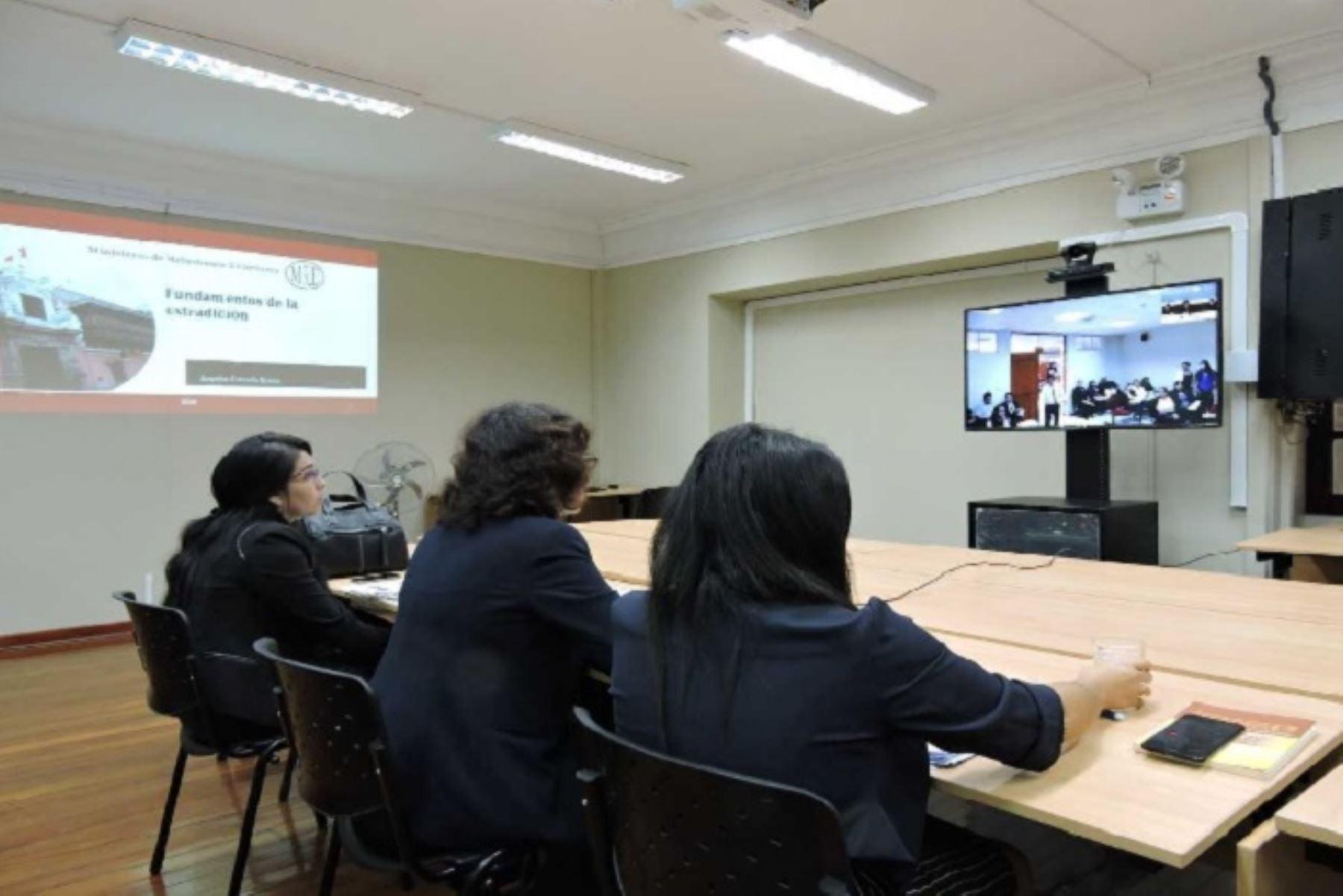 Especialistas de la Cancillería, Minjusdh y Fiscalía de la Nación dictan taller organizado por la UETI-CPP del Poder Judicial