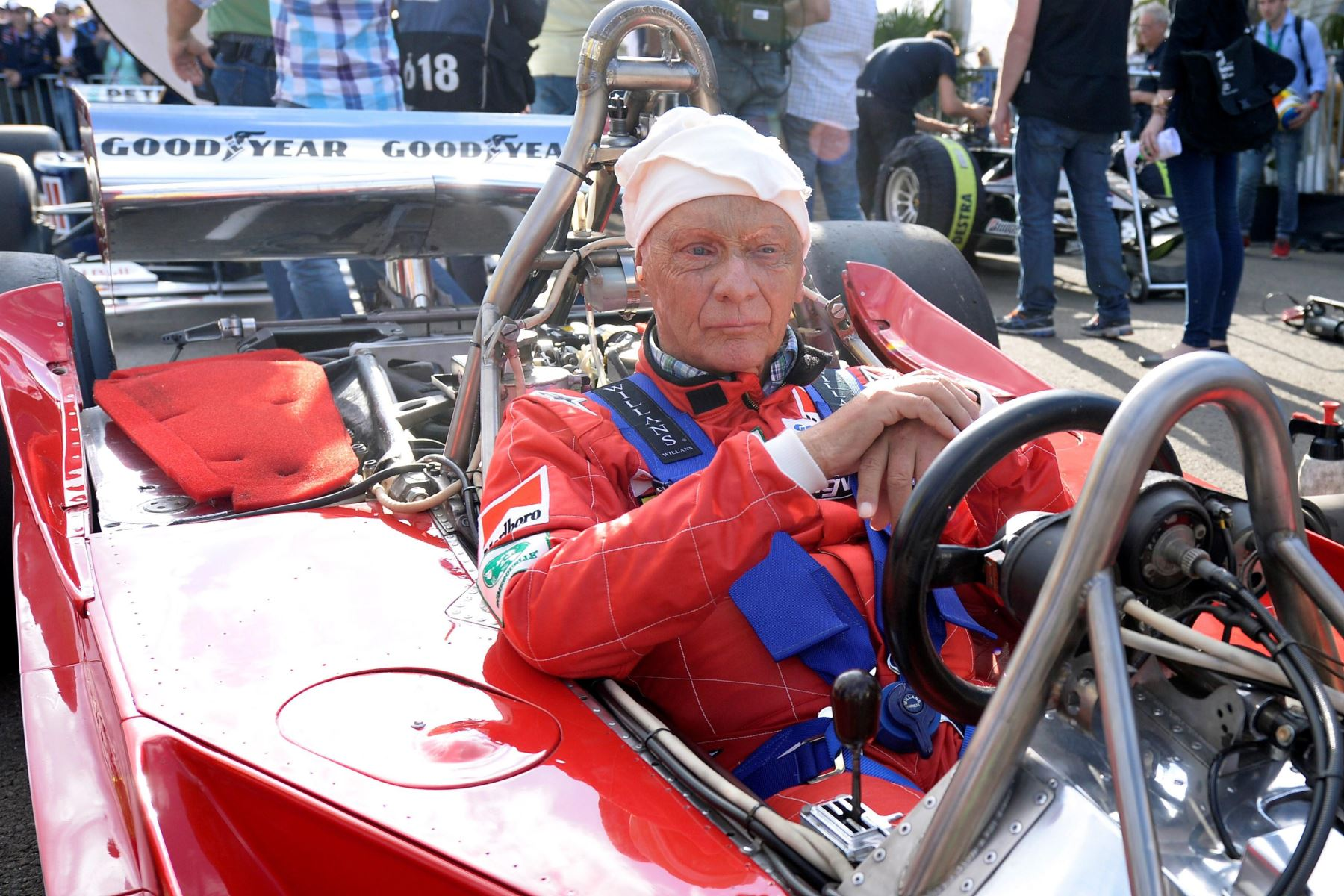 Fotografía de archivo realizada el 21 de junio de 2014 que muestra al expiloto de Fórmula Uno Niki Lauda en la carrera de las leyendas de Red Bull en Spielberg (Austria).Foto: EFE