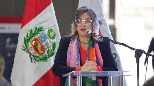 Ministra de Cultura Ulla Holmquist Pachas inaugurando las actividades por la Semana de la Diversidad Cultural y Lingüística