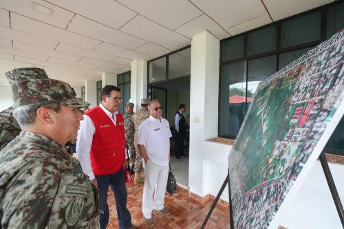 Ministro de Defensa inspeccionó bases militares en Iquitos