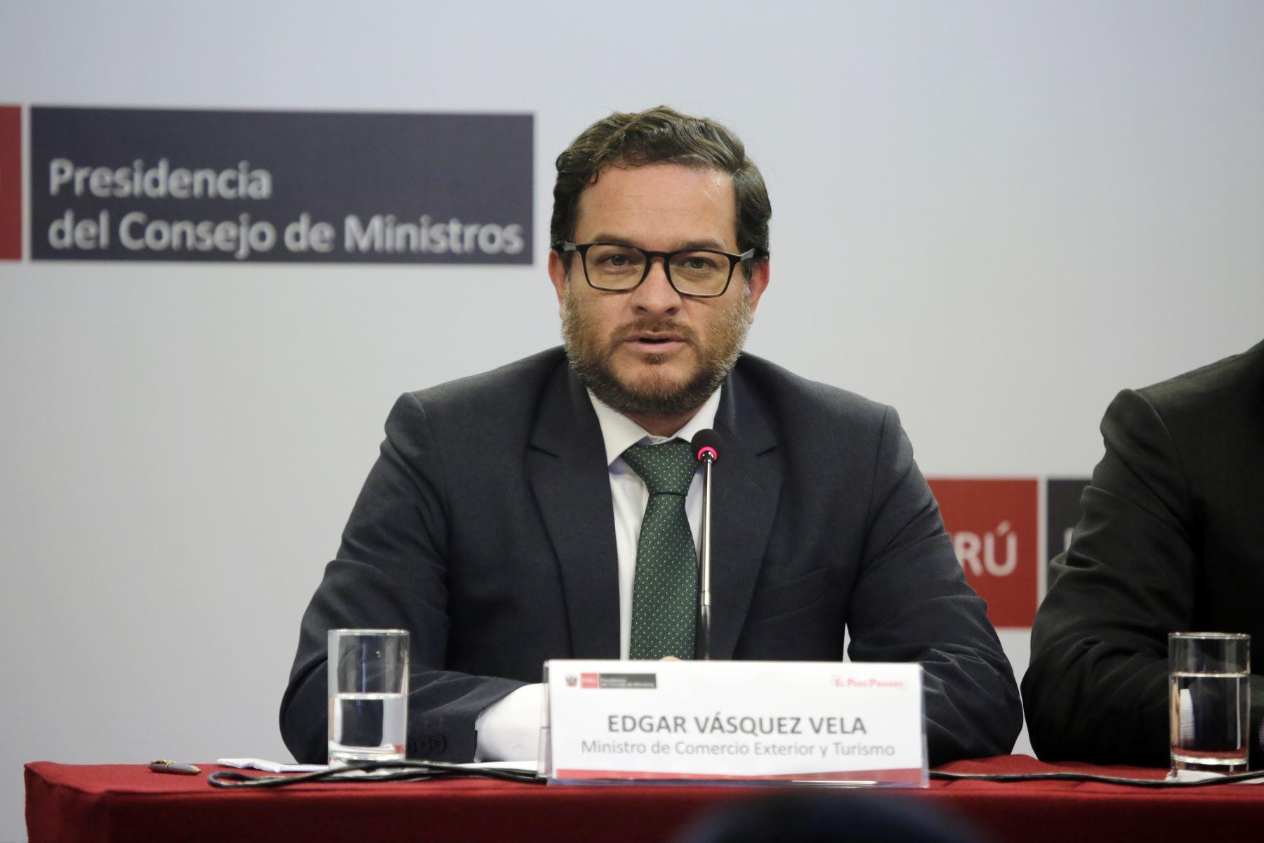 Conferencia de prensa del Ministro de Comercio Exterior y Turismo, Edgar  Vásquez Vela junto al  primer ministro, Salvador del Solar. Foto: ANDINA/PCM