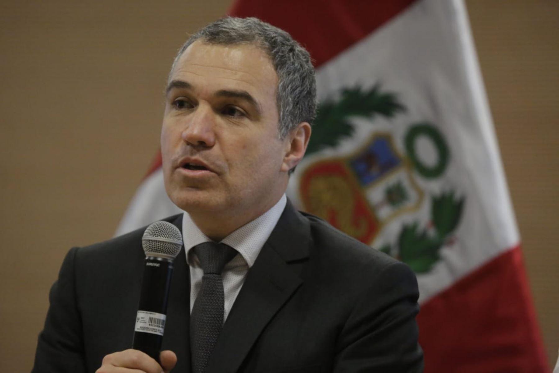 Del Solar: no discutir la reforma sobre inmunidad es inaceptable