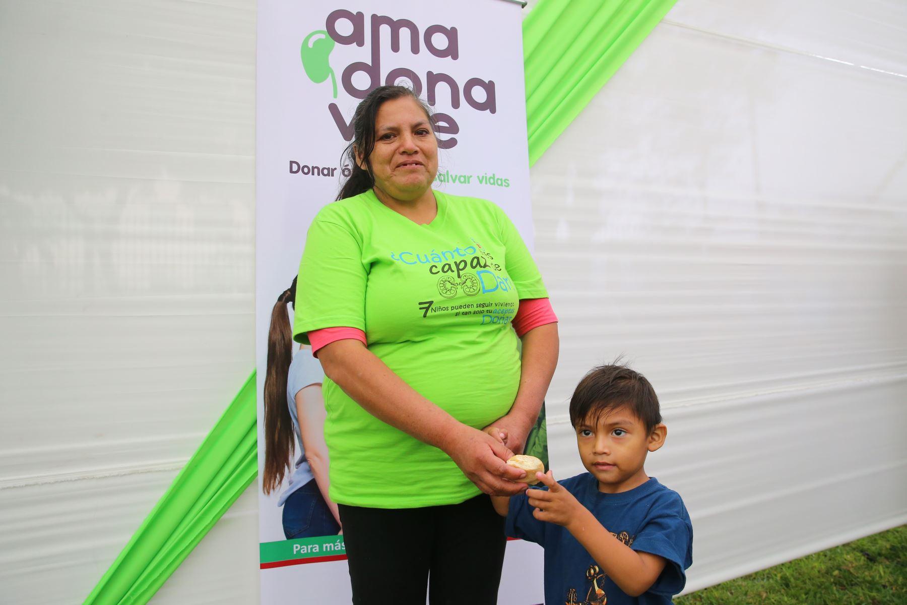 Día Nacional del Donante de Órganos y Tejidos, Enuentro entre familiares de donantes de órganos y receptores. Foto: ANDINA/Vidal Tarqui