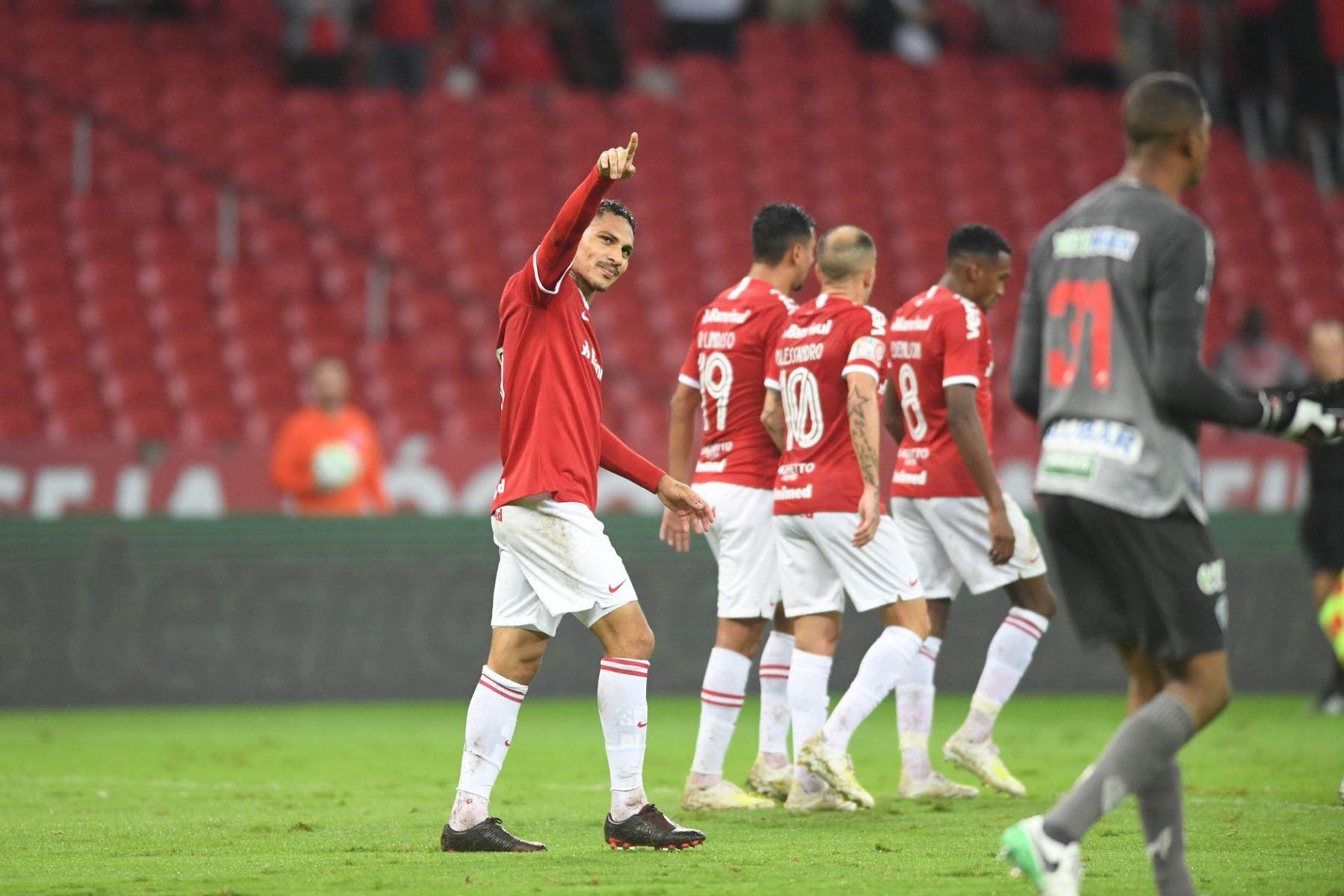 Con dos goles de Paolo Guerrero, el Internacional de Porto Alegre derrotó por 3-1 al Paysandu en el Estadio Beira-Rio por el partido de ida de los octavos de final de la Copa de Brasil. (Fotos: Ricardo Duarte/ Sport Club Internacional)
