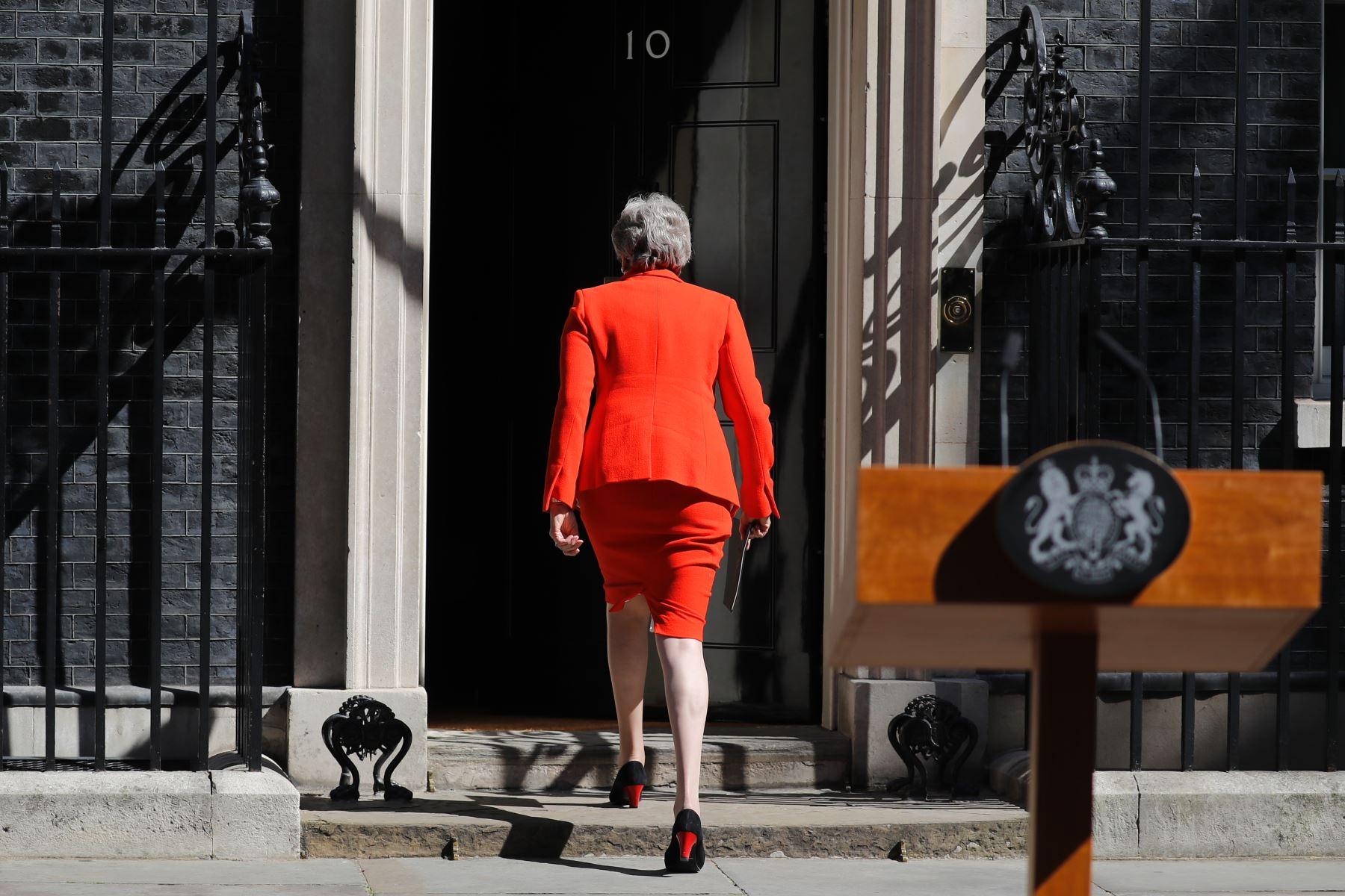 La primera ministra británica, Theresa May, anuncia su renuncia. Foto: AFP.