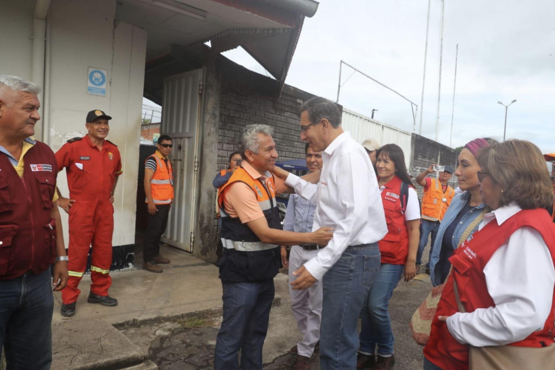 El presidente Martín Vizcarra llegó a Yurimaguas, donde verifica directamente la situación para la adopción de medidas urgentes frente a la emergencia. Foto: ANDINA/ Prensa Presidencia