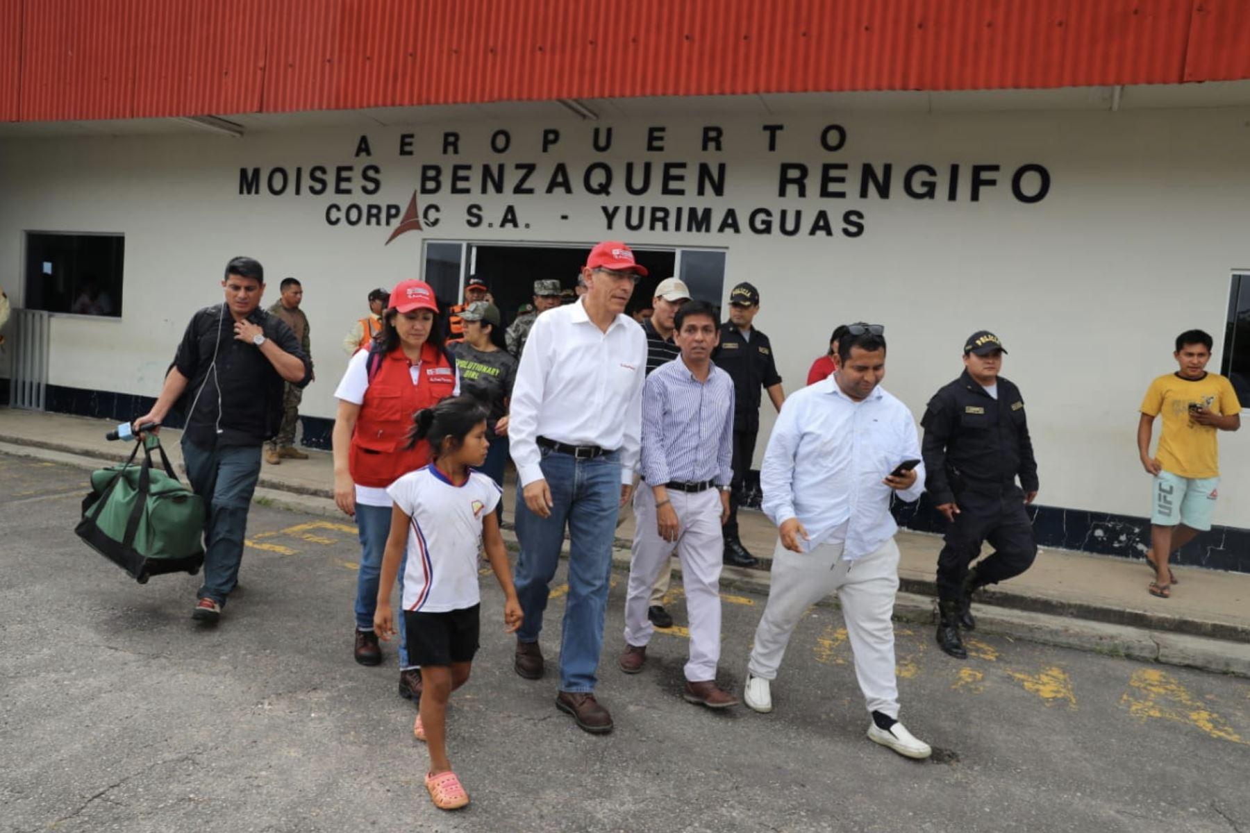 Presidente Vizcarra visita las zonas afectadas tras  el sismo sismo de magnitud 8.0 que sacudió esta madrugada la localidad de Lagunas, provincia de Alto Amazonas, región Loreto. Foto: ANDINA/ Prensa Presidencia