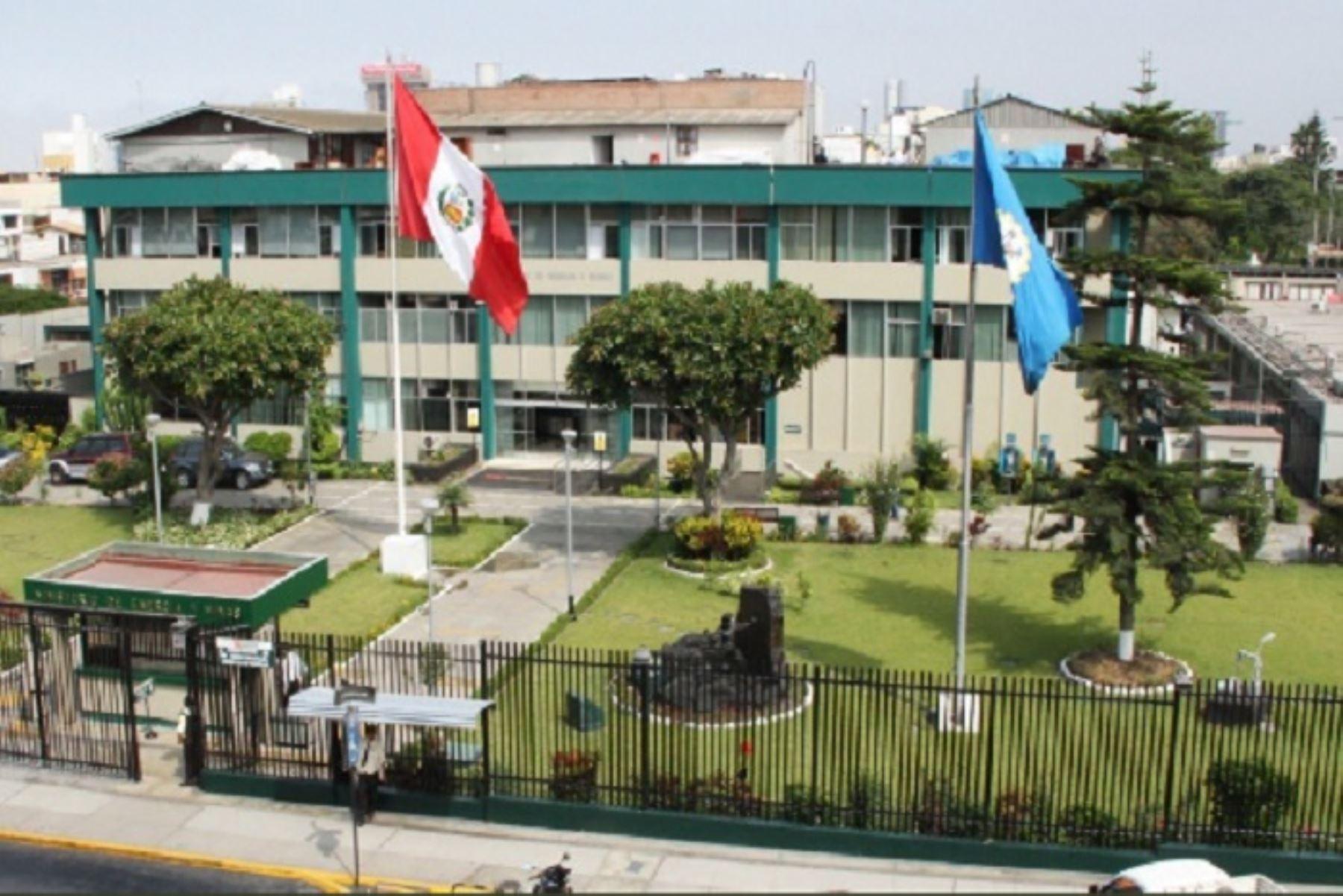 Especialistas del Ministerio de Energía y Minas monitorean y apoyan en las zonas afectadas por el sismo de magnitud 7.5 que se registró en Loreto, debido a los posibles daños en las instalaciones eléctricas y de gas.