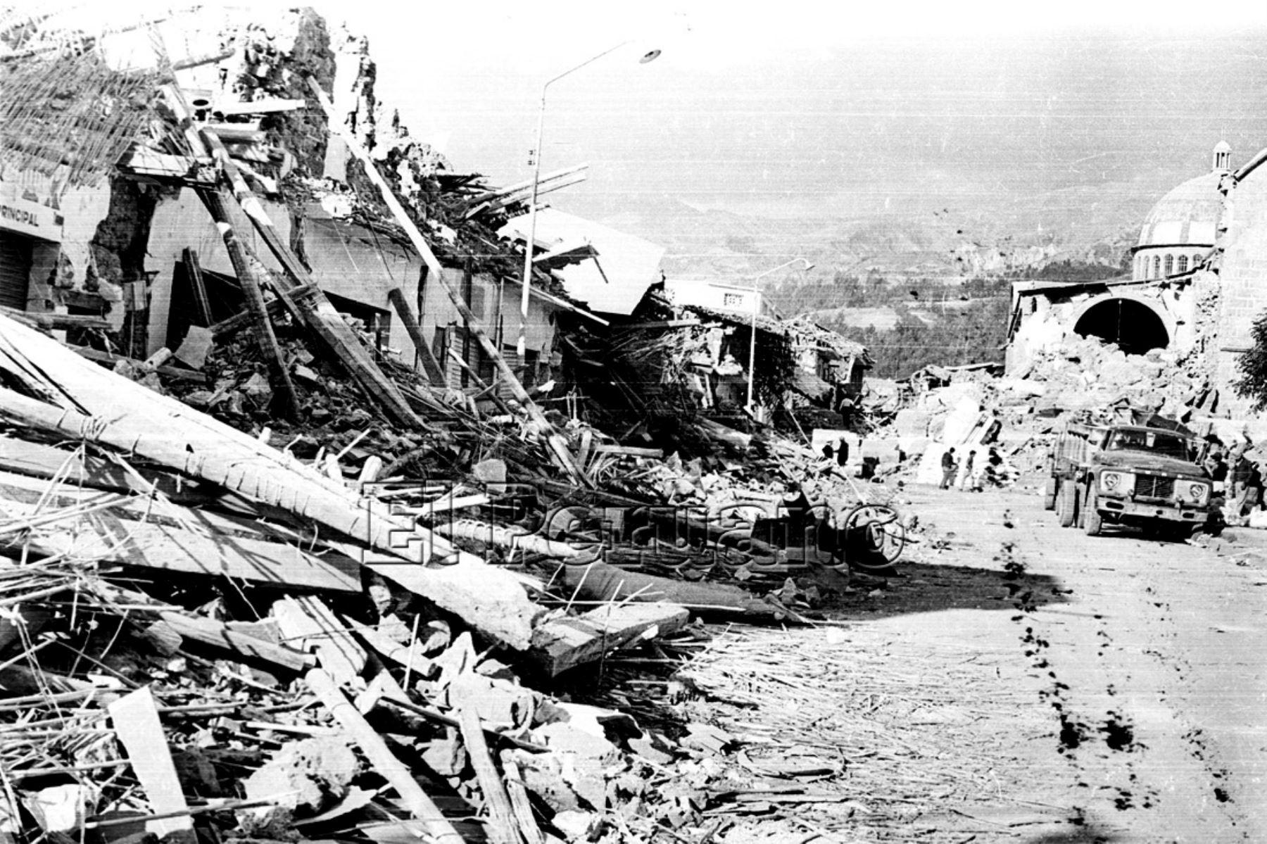 Ancash 01 jun 1970 / Terremoto de Yungay. Viviendas en escombros