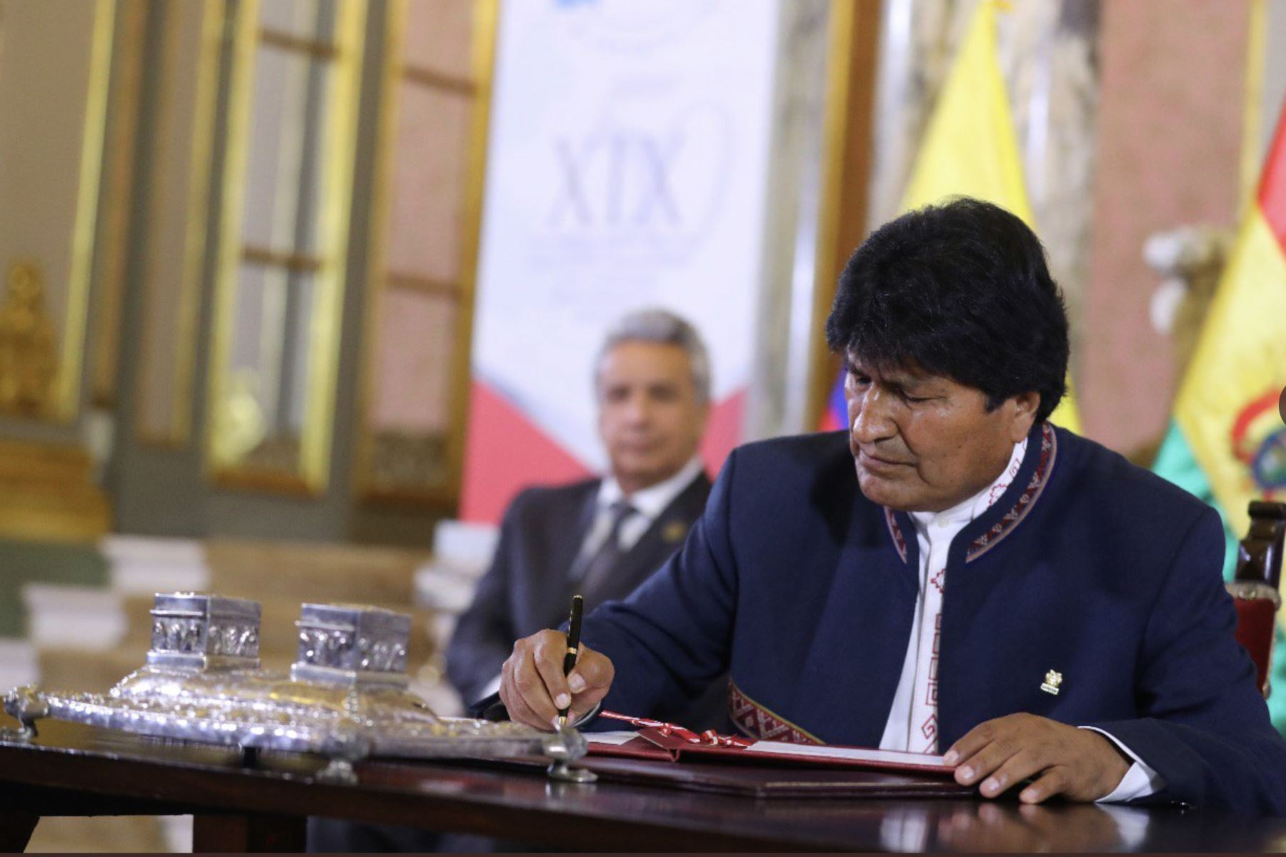Presidente Vizcarra  junto a sus homólogo  de Bolivia, Evo Morales  firman acuerdos orientados a beneficios concretos  para los ciudadanos, al cumplirse 50 años  de la Comunidad Andina - CAN . Foto: ANDINA/Presidencia