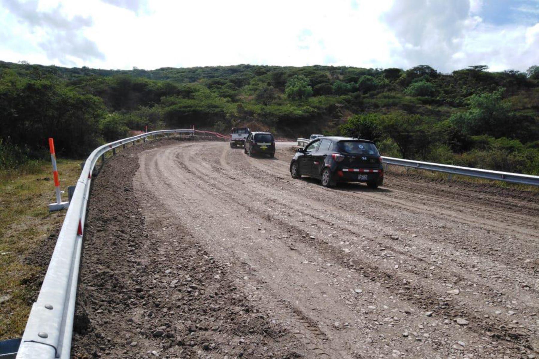 Concesionaria recupera la transitabilidad en la carretera Cajamarca-Cajabamba afectada por el fuerte sismo de magnitud 8.0 registrado en Loreto. Foto: Difusión