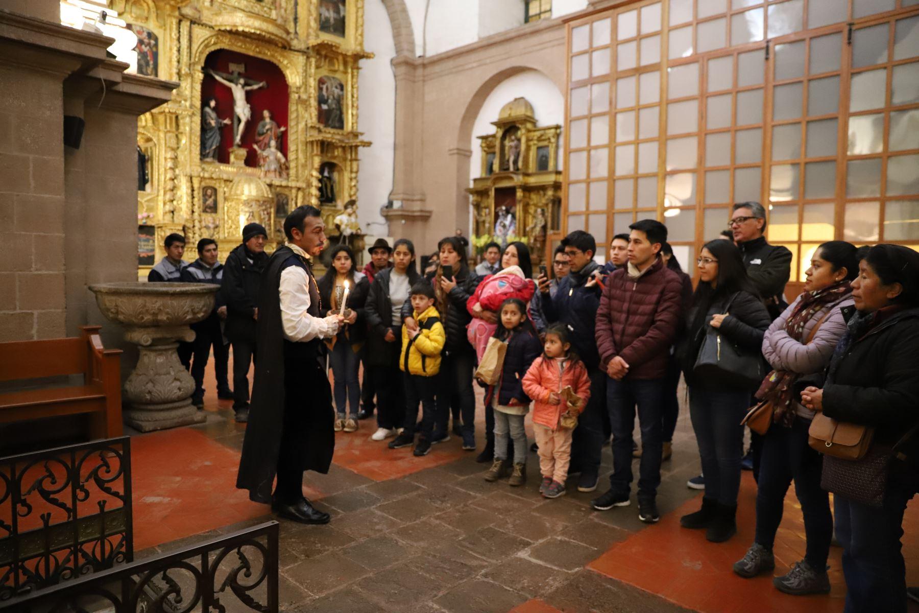 Cusco implementa primer circuito religioso nocturno para turistas y pobladores locales. ANDINA/Percy Hurtado