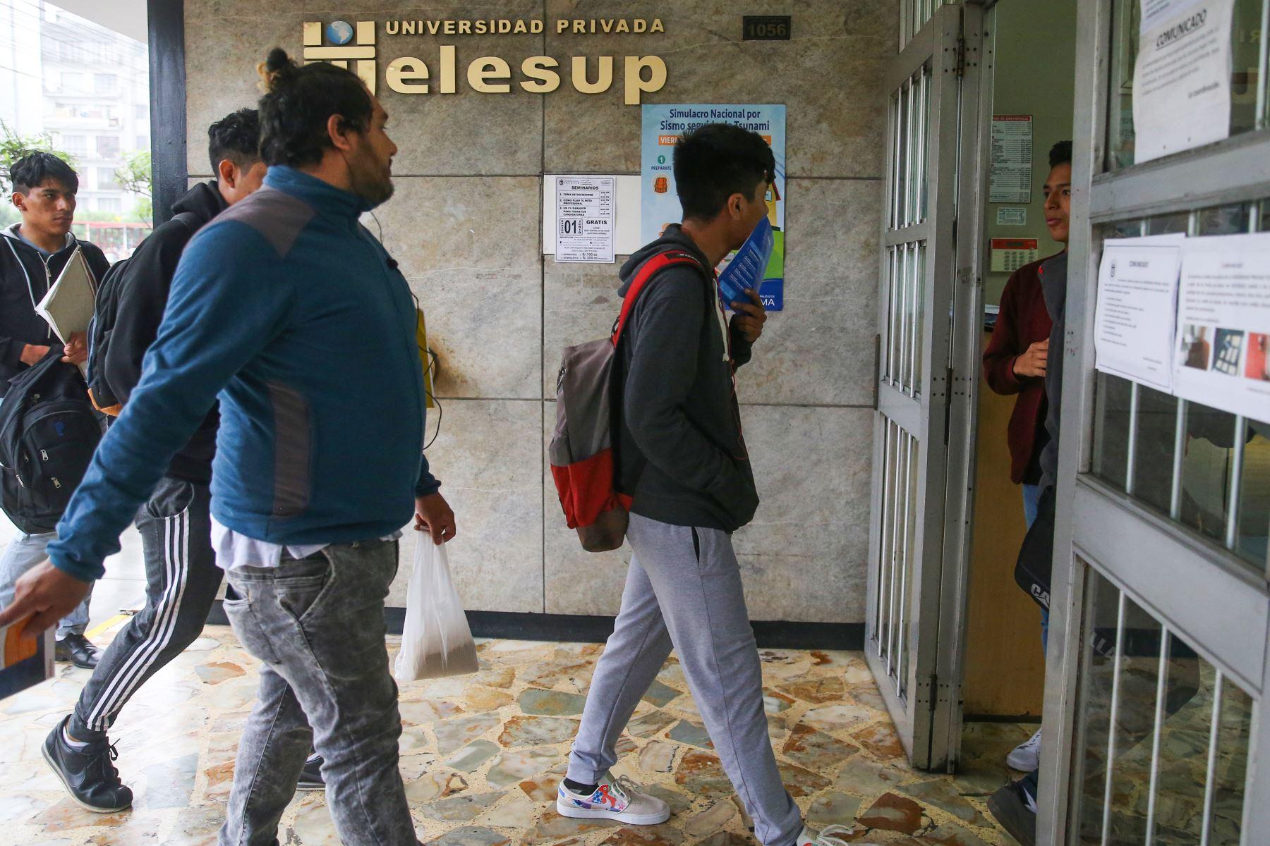 La Sunedu negó el licenciamiento institucional a la Universidad Privada Telesup, que atiende a más de 20 mil estudiantes, debido a que incumple las condiciones básicas de calidad establecidas en la Ley Universitaria. Foto: ANDINA/Vidal Tarqui