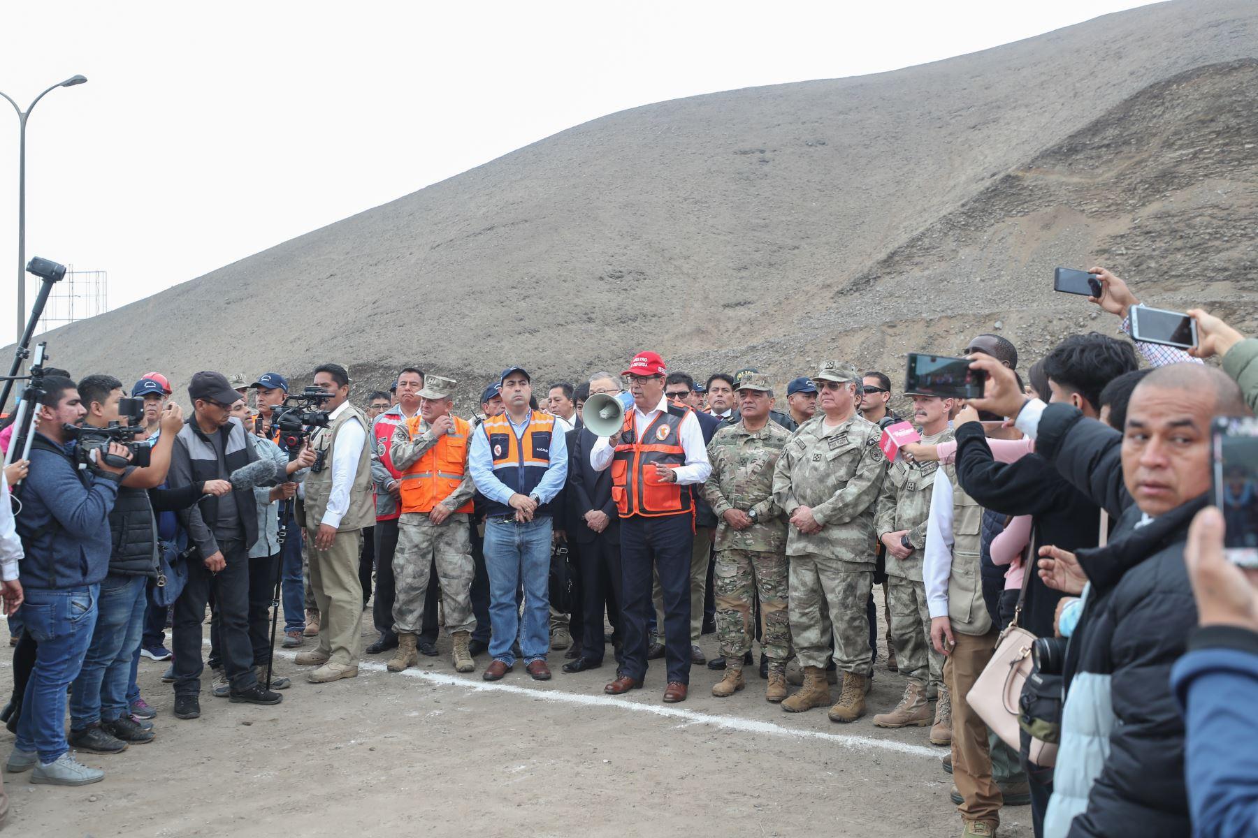 Ministro de Defensa José Huerta participó en simulacro de sismo y tsunami en Ventanilla.Foto:ANDINA/MINDEF