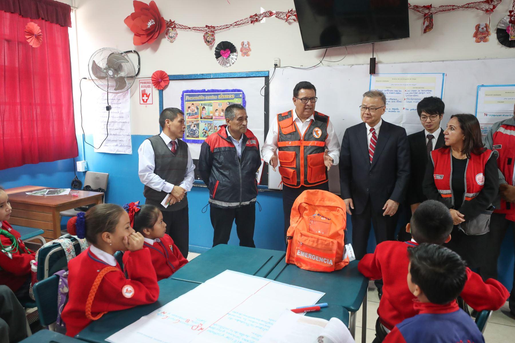 Ministro de Defensa José Huerta participó en simulacro de sismo y tsunami en Ventanilla. Foto:ANDINA/MINDEF