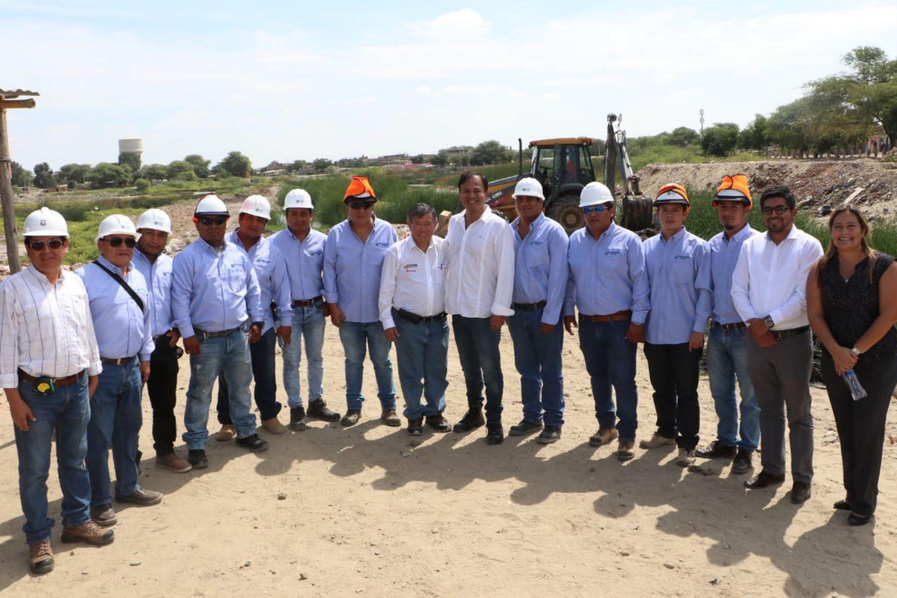 Director ejecutivo de la ARCC, Nelson Chui, junto con autoridades de Piura supervisa avances en obras de reconstrucción con cambios.