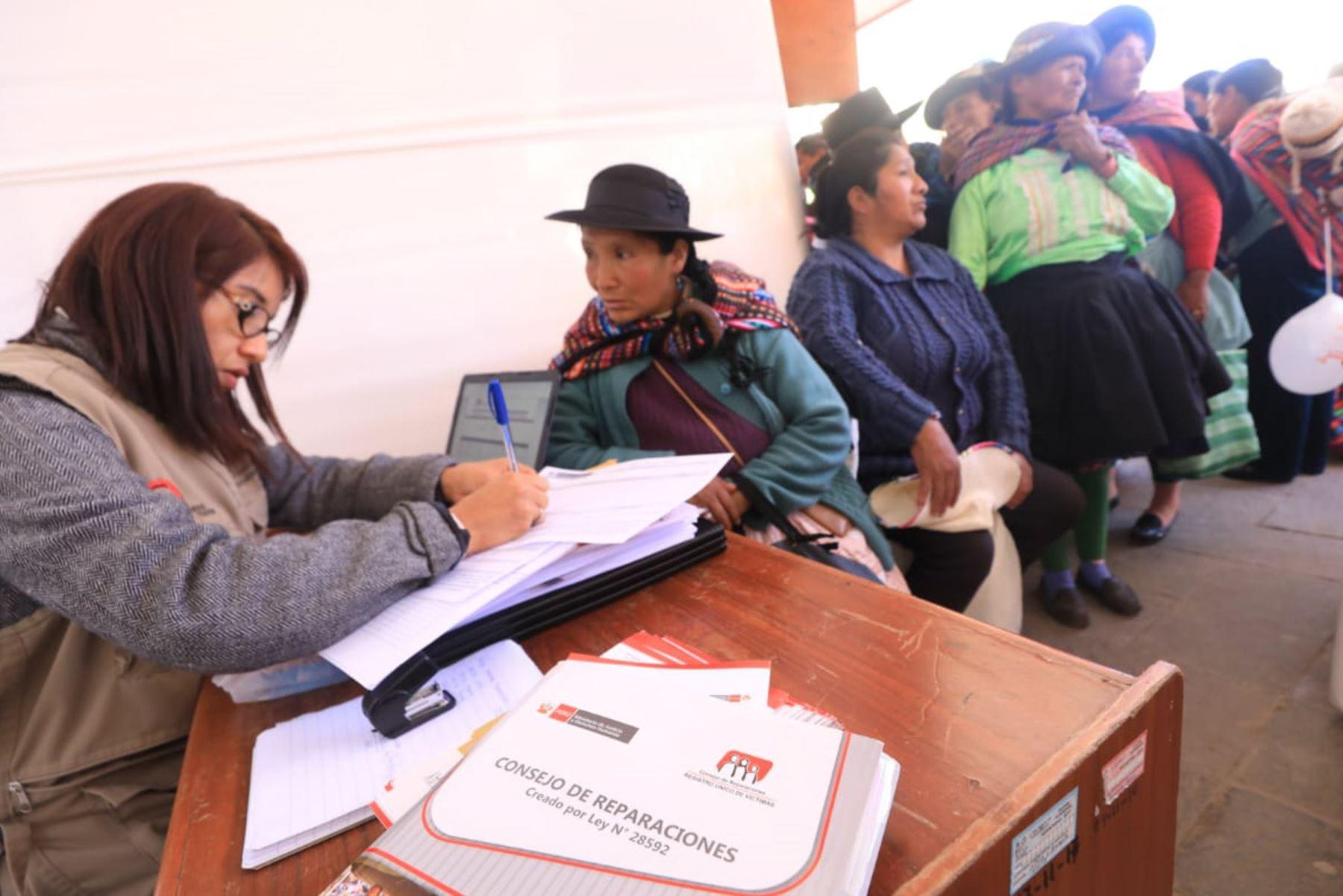 """Huancavelica: """"Caravana de la Justicia"""" brindó más de 40 servicios públicos a ciudadanos"""