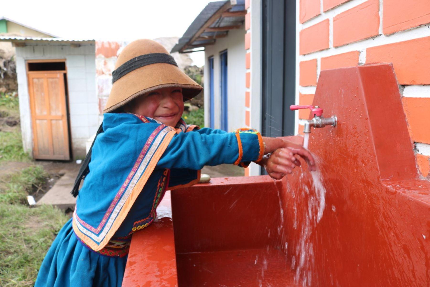 Gobierno prioriza cierre de brechas en saneamiento para combatir anemia y desnutrición crónica infantil. ANDINA/Difusión