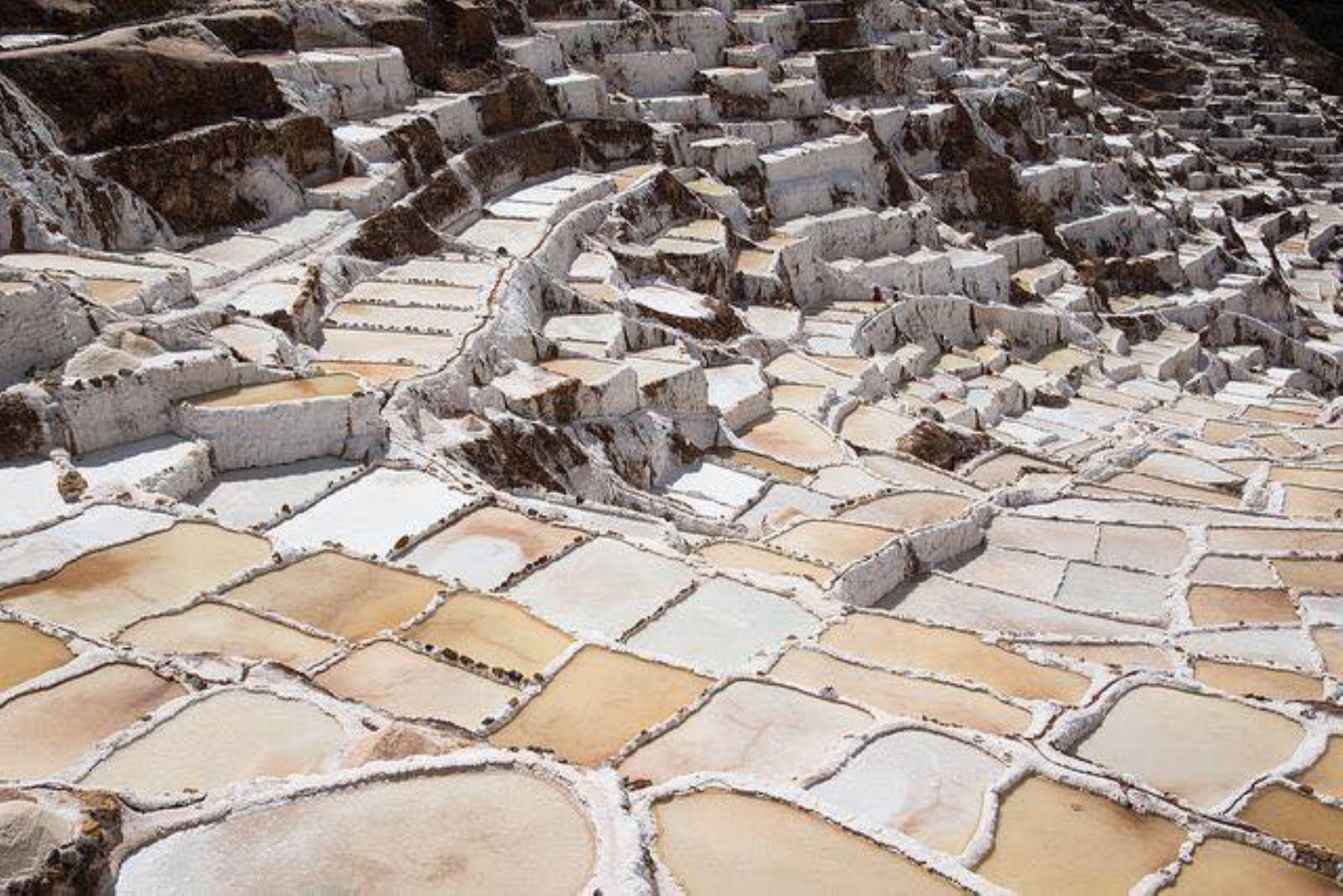 Las famosas salineras de Maras están ubicadas en la provincia de Urubamba, región Cusco.
