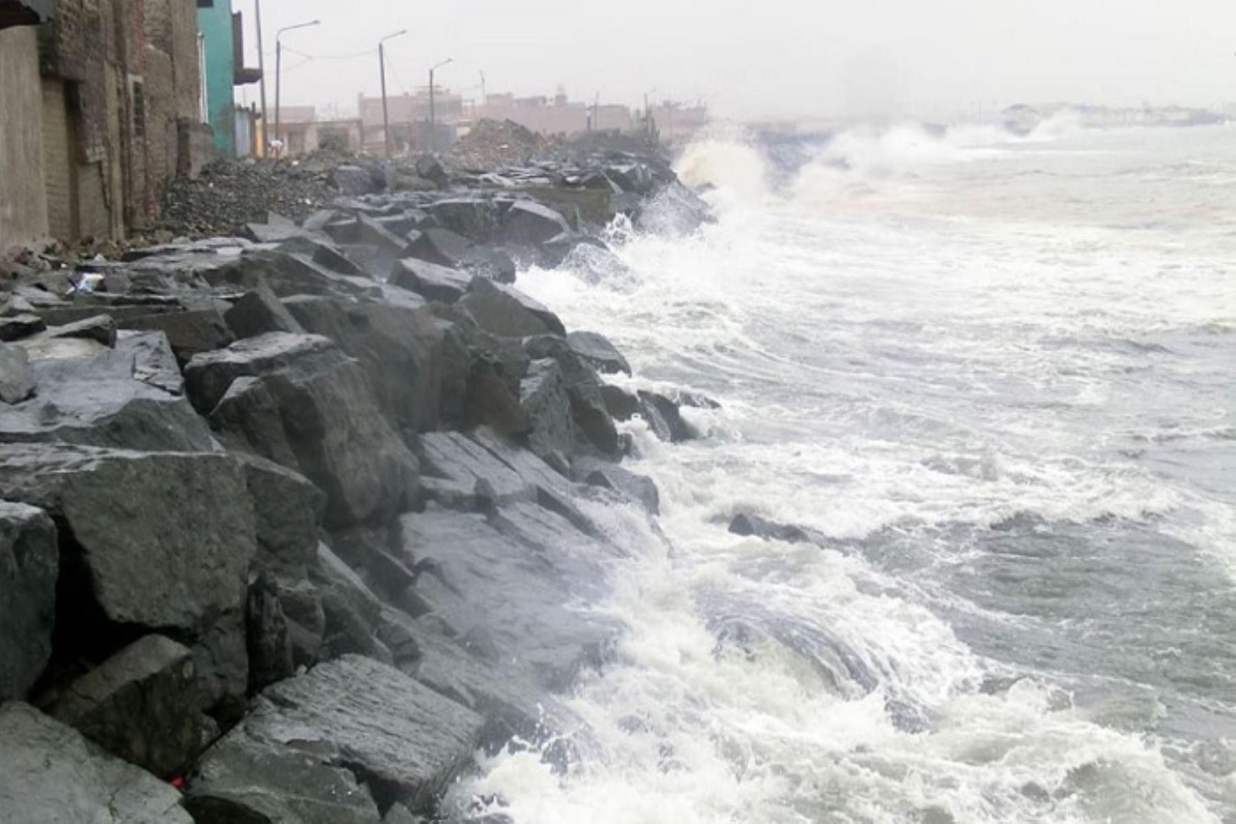 Oleajes: condiciones del mar se normalizarán entre hoy y mañana