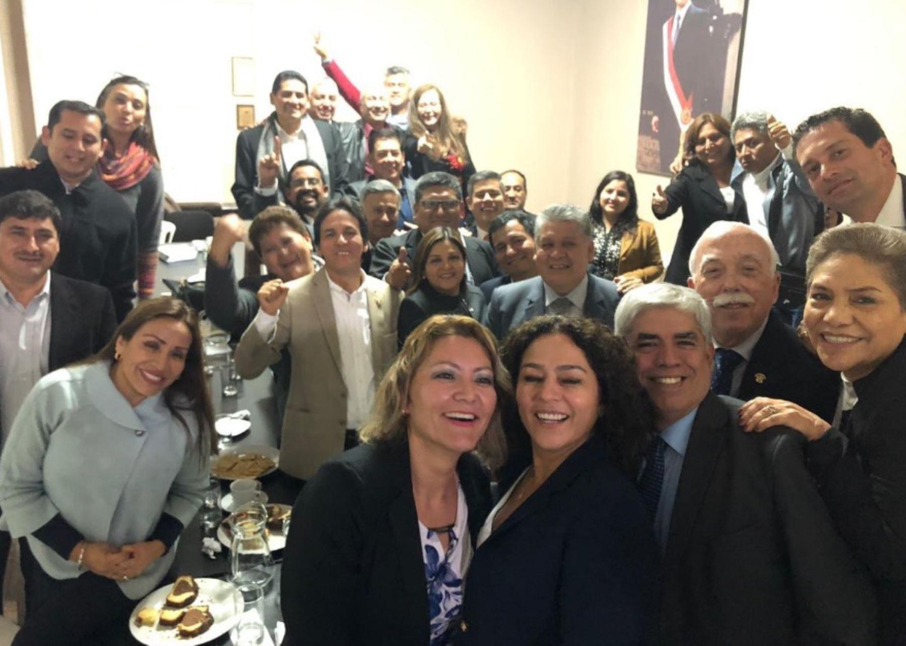 Ética rechaza investigar congresistas fujimoristas por chats de La Botica