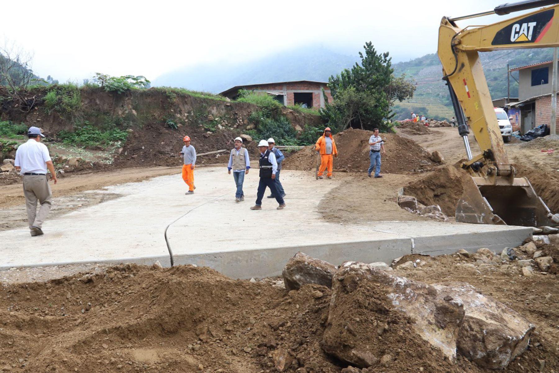 Gobierno transfiere S/ 48.2 millones para obras de saneamiento, caminos, colegios, entre otros proyectos de reconstrucción con cambios. ANDINA/Difusión