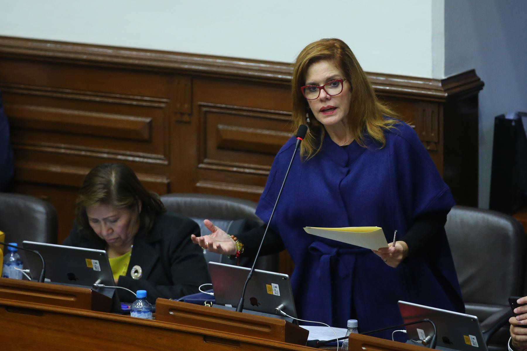 Congresista Mercedes Araoz  interviene en el debate sobre la cuestión de confianza en el Congreso de la República. Foto: ANDINA/Vidal Tarqui
