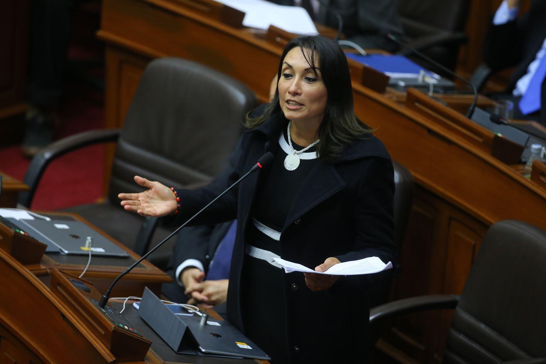 Congresista Patricia Donayre interviene en el debate sobre la cuestión de confianza en el Congreso de la República. Foto: ANDINA/Vidal Tarqui