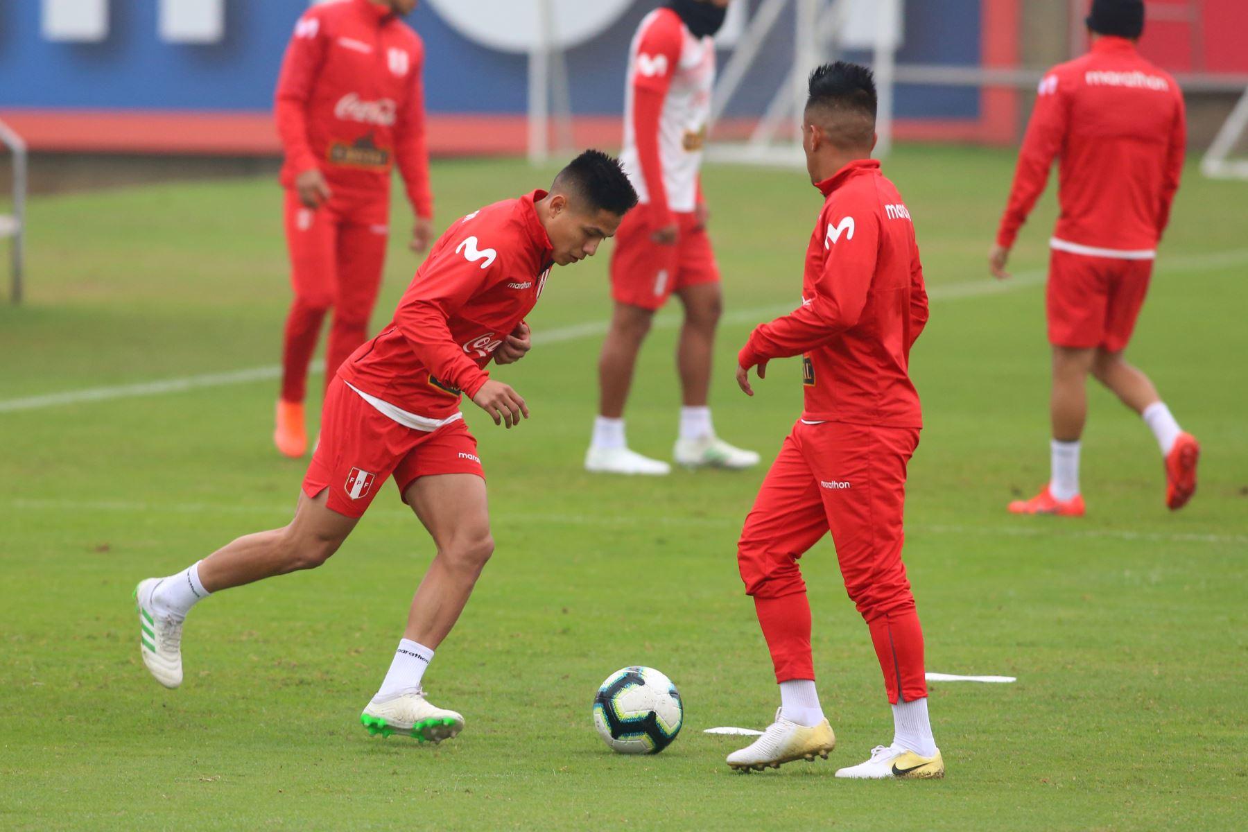 Entrenamiento de la selección Peruana de fútbol previo al partido amistoso, con la selección de Colombia, en la Videna. Foto: ANDINA/Vidal Tarqui