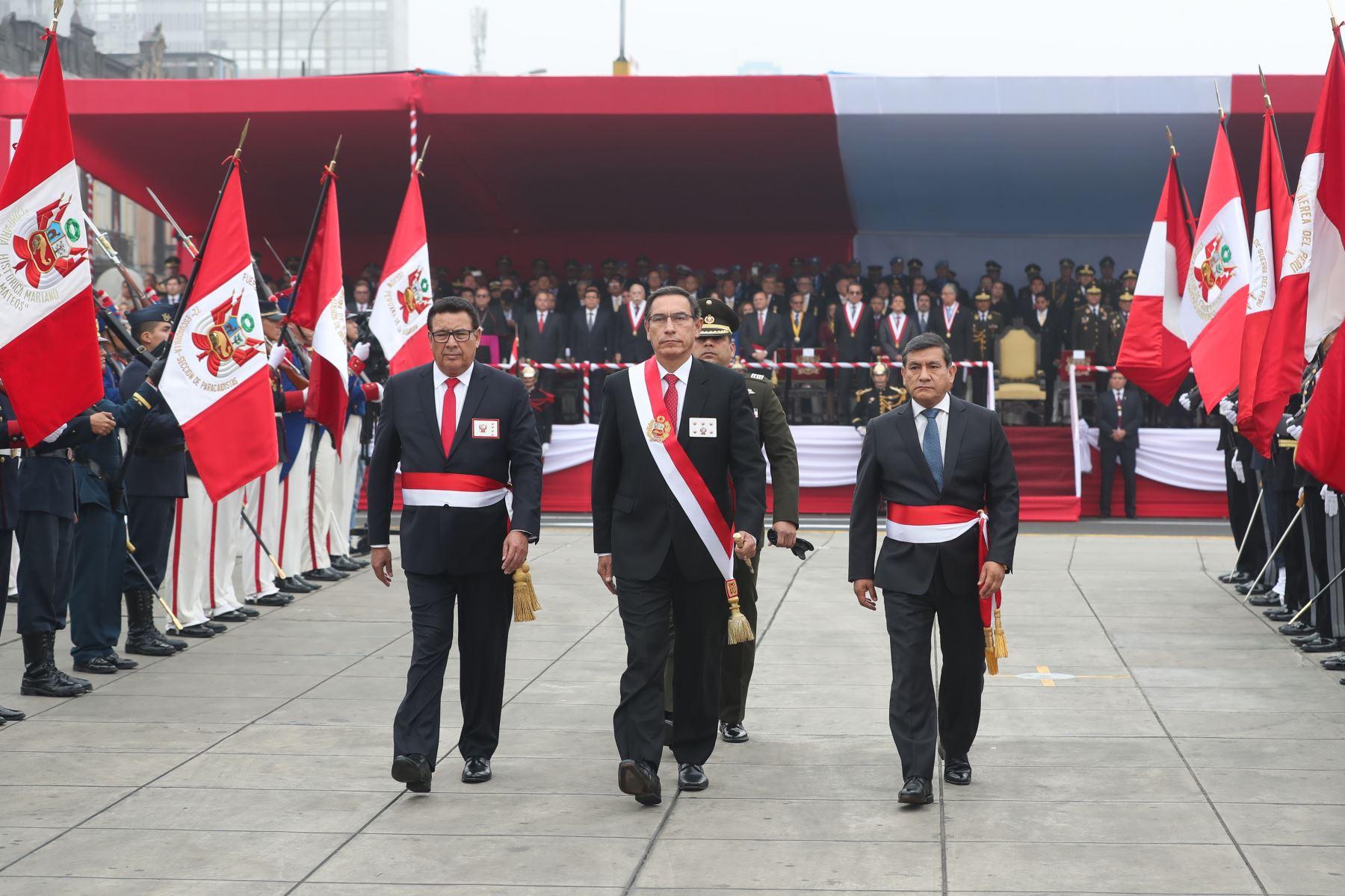 El presidente de la República, Martín Vizcarra, asiste a la ceremonia por el 139 Aniversario de la Batalla de Arica y Renovación del Juramento de Fidelidad a la Bandera. Foto: ANDINA/ MINDEF