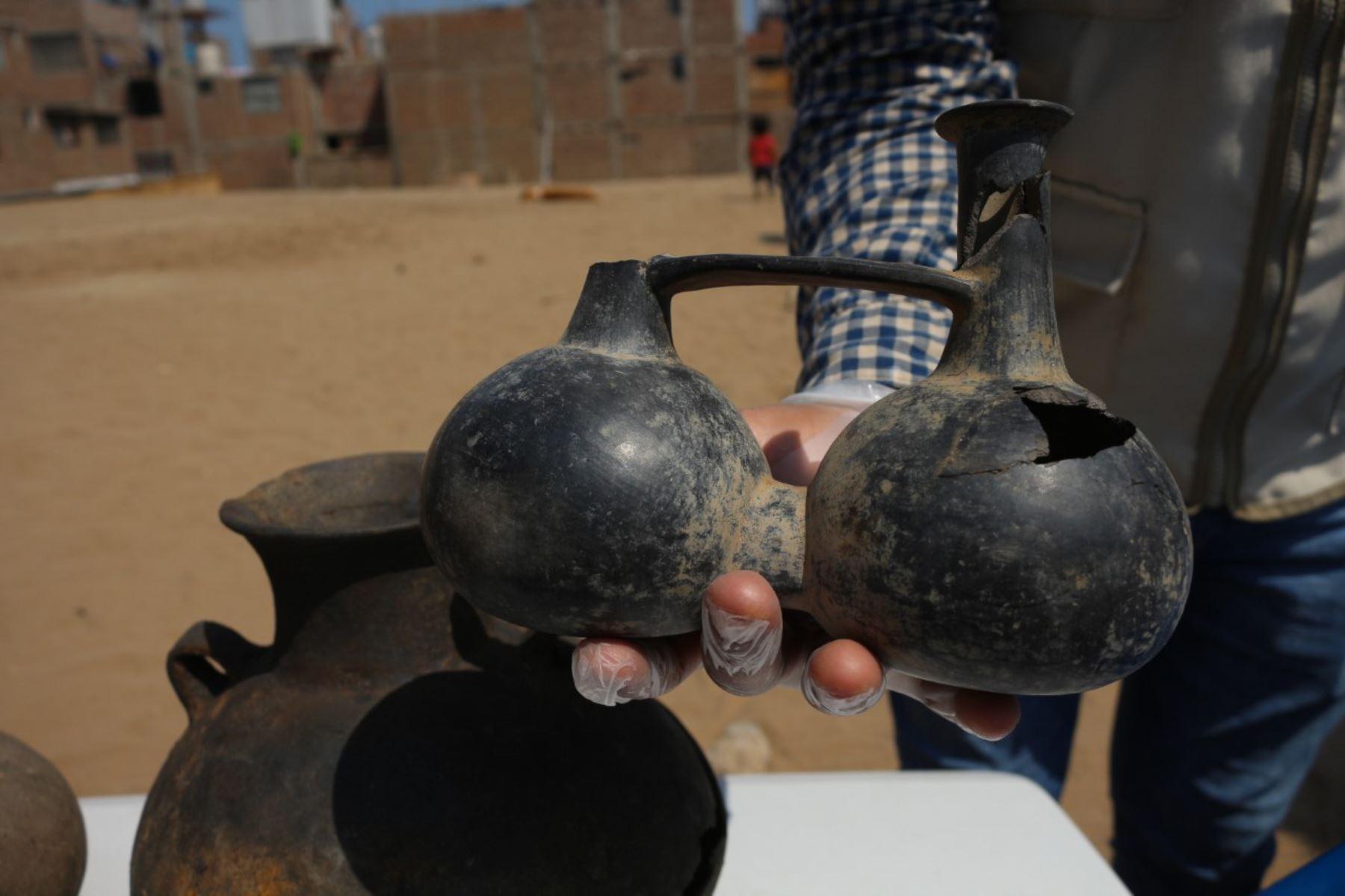 Descubren vestigios arqueológicos prehispánicos cerca de la Plaza de Armas de Trujillo. Fotos: Luis Puell.