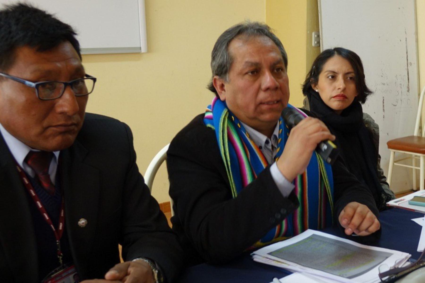 El viceministro de Gestión Institucional del Minedu, Guido Rospigliosi, aseguró que el Minedu brinda atención especial a nueva infraestructura de colegio en Puno.