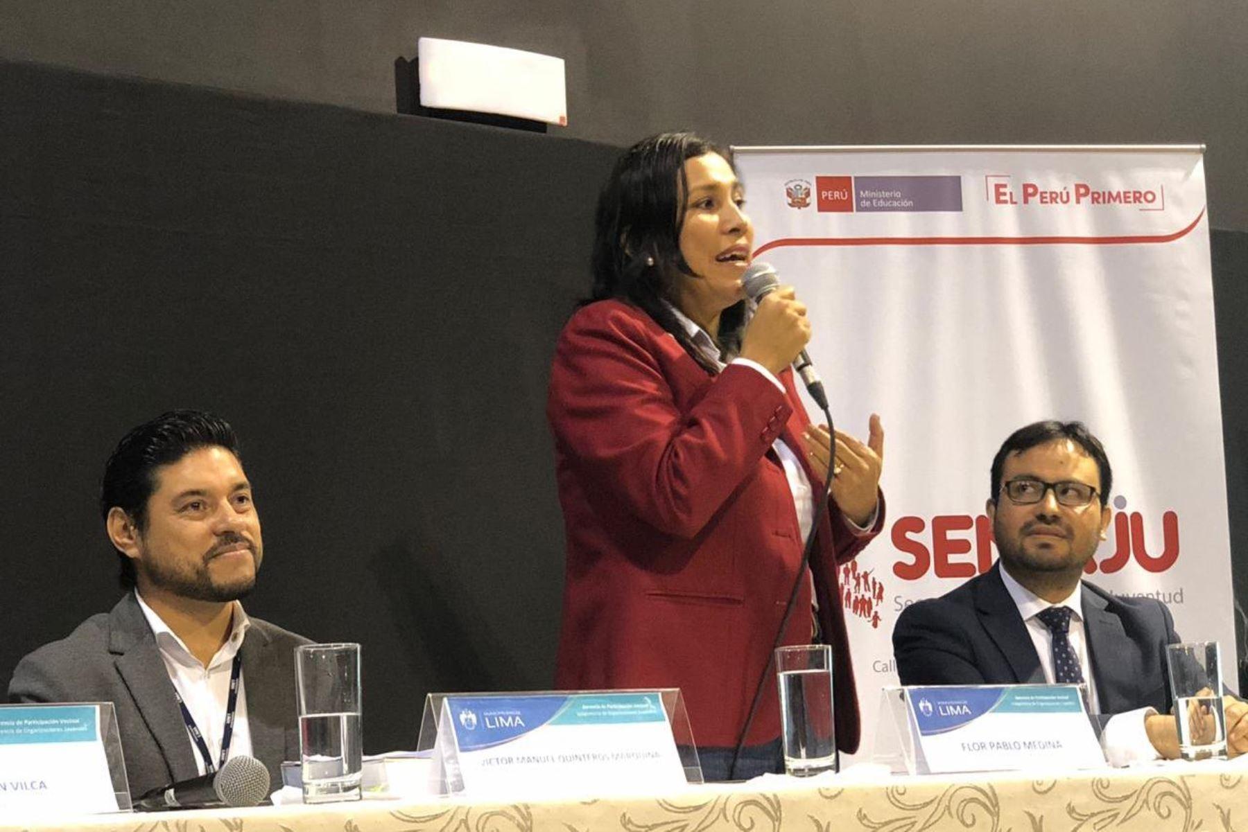 La ministra de Educación, Flor Pablo, participó en foro regional de jóvenes líderes en el Teatro Municipal. Foto: ANDINA/Minedu.