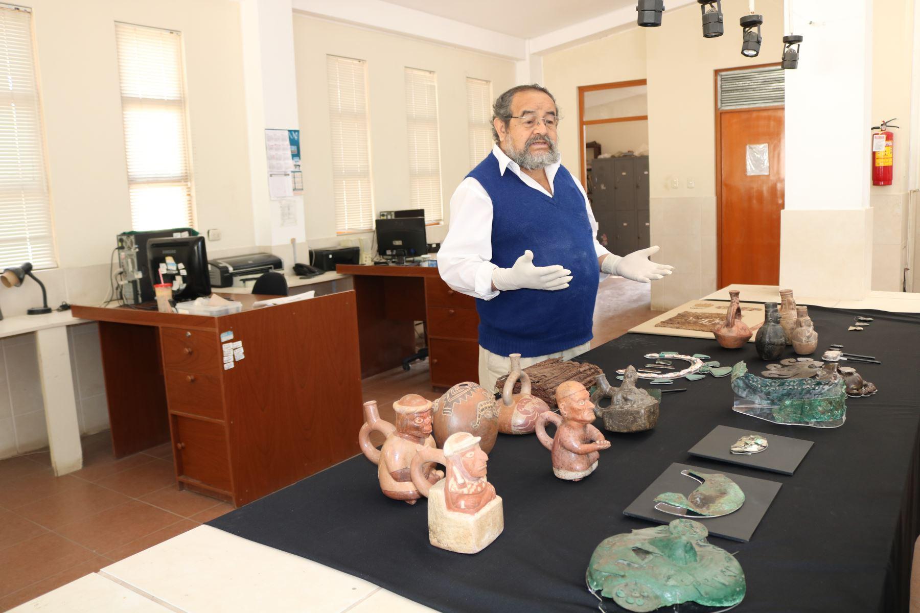 El director del Museo Tumbas Reales de Sipán, Walter Alva, informó que 346 piezas arqueológicas recuperadas en las investigaciones del último quinquenio serán exhibidas en el Museo de la Nación.