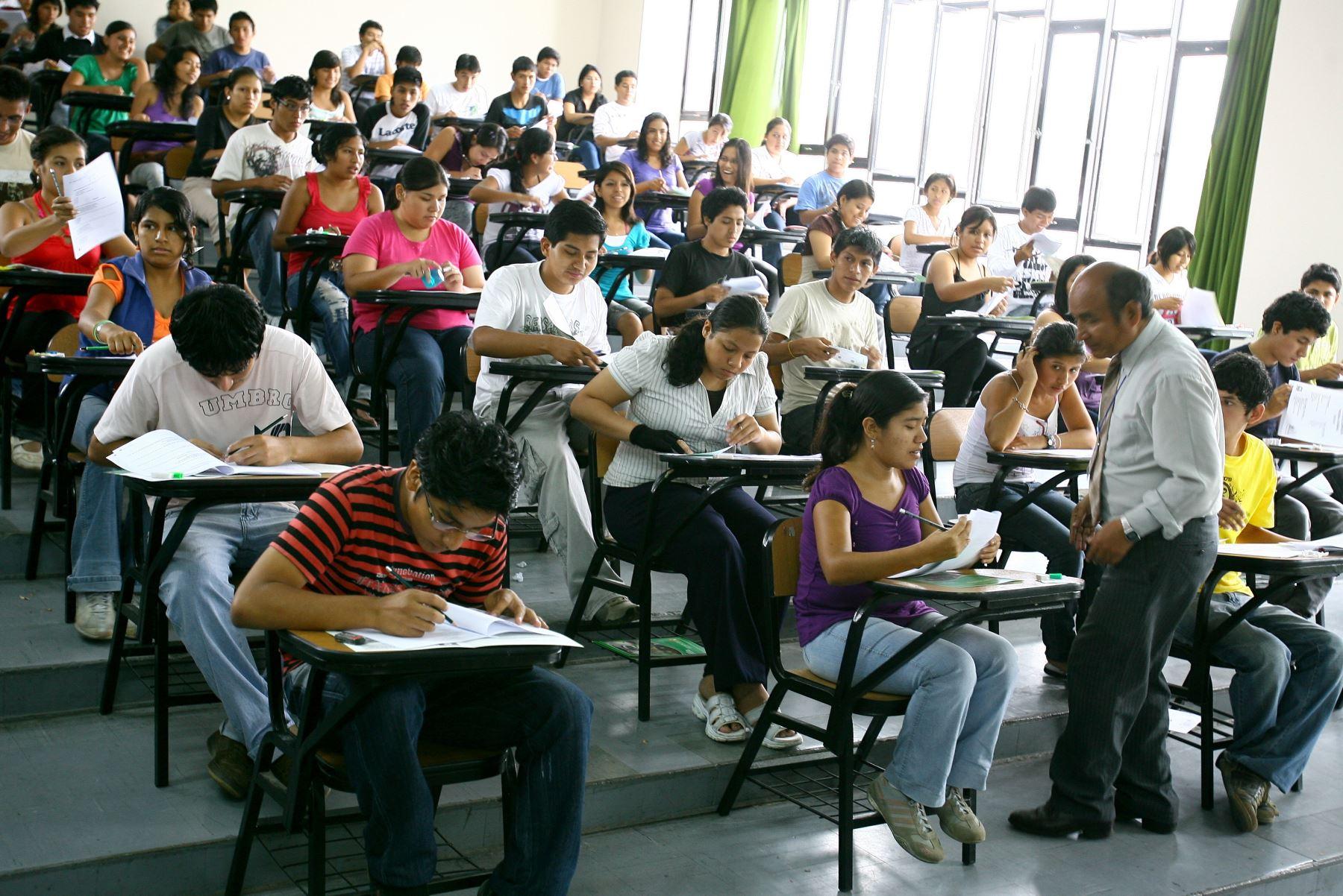 Sesenta y seis universidades públicas y privadas del Perú están actualmente bajo evaluación de la Sunedu. Foto: ANDINA/archivo