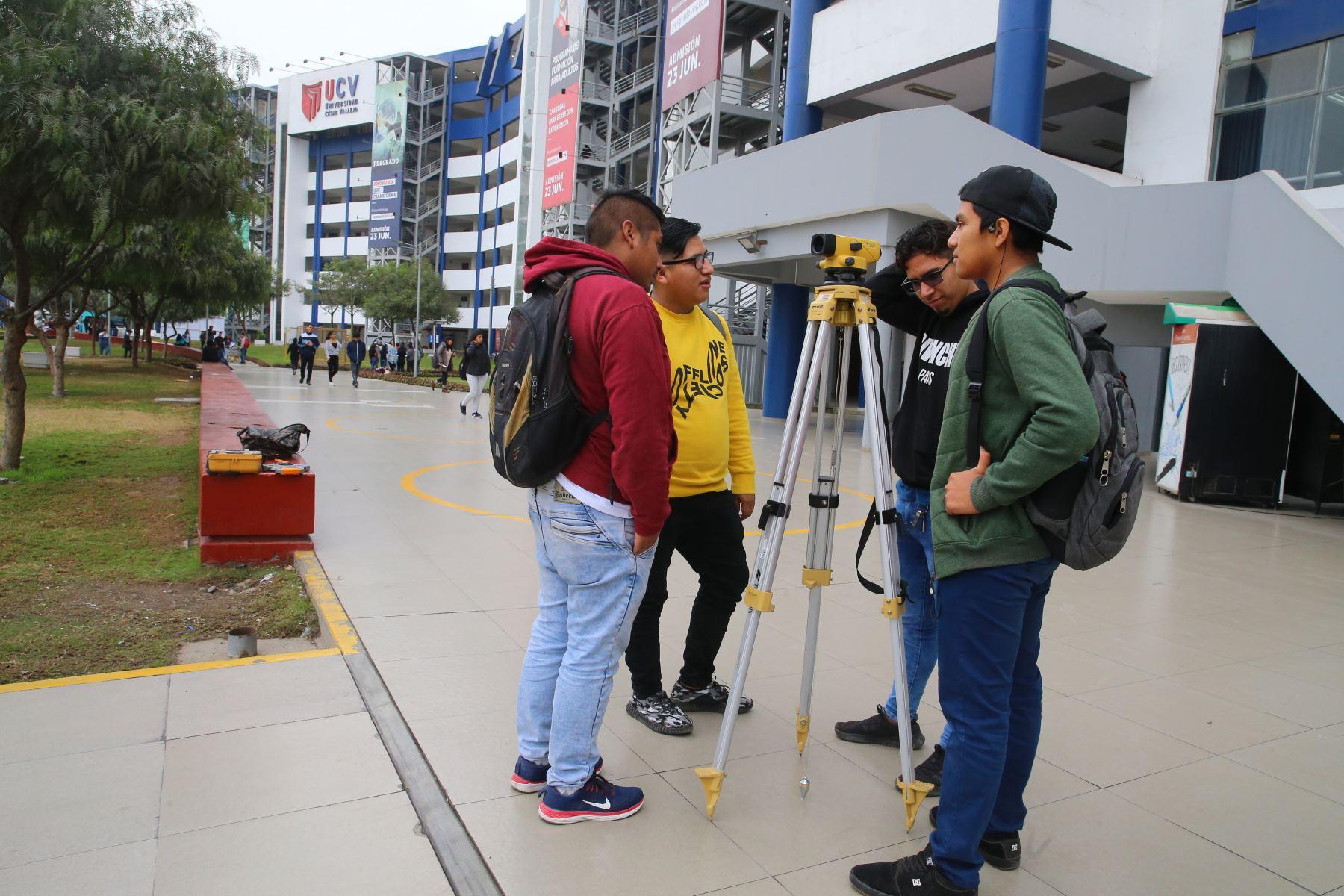 UCV sinceró oferta académica e incrementó docentes calificados. Foto: ANDINA/Vidal TarquiANDINA/Vidal Tarqui