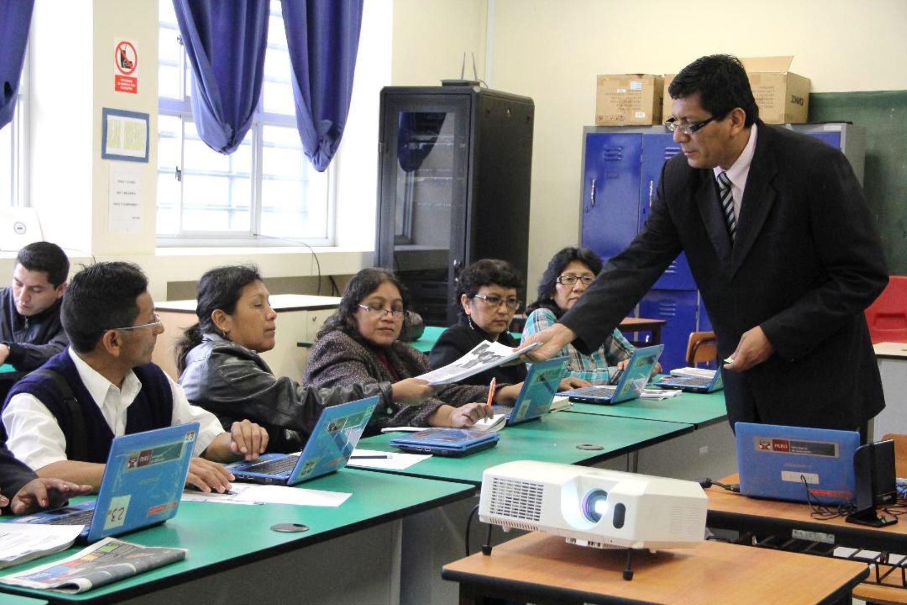Minedu: 23,000 maestros de secundaria serán capacitados. Foto: ANDINA/Minedu.