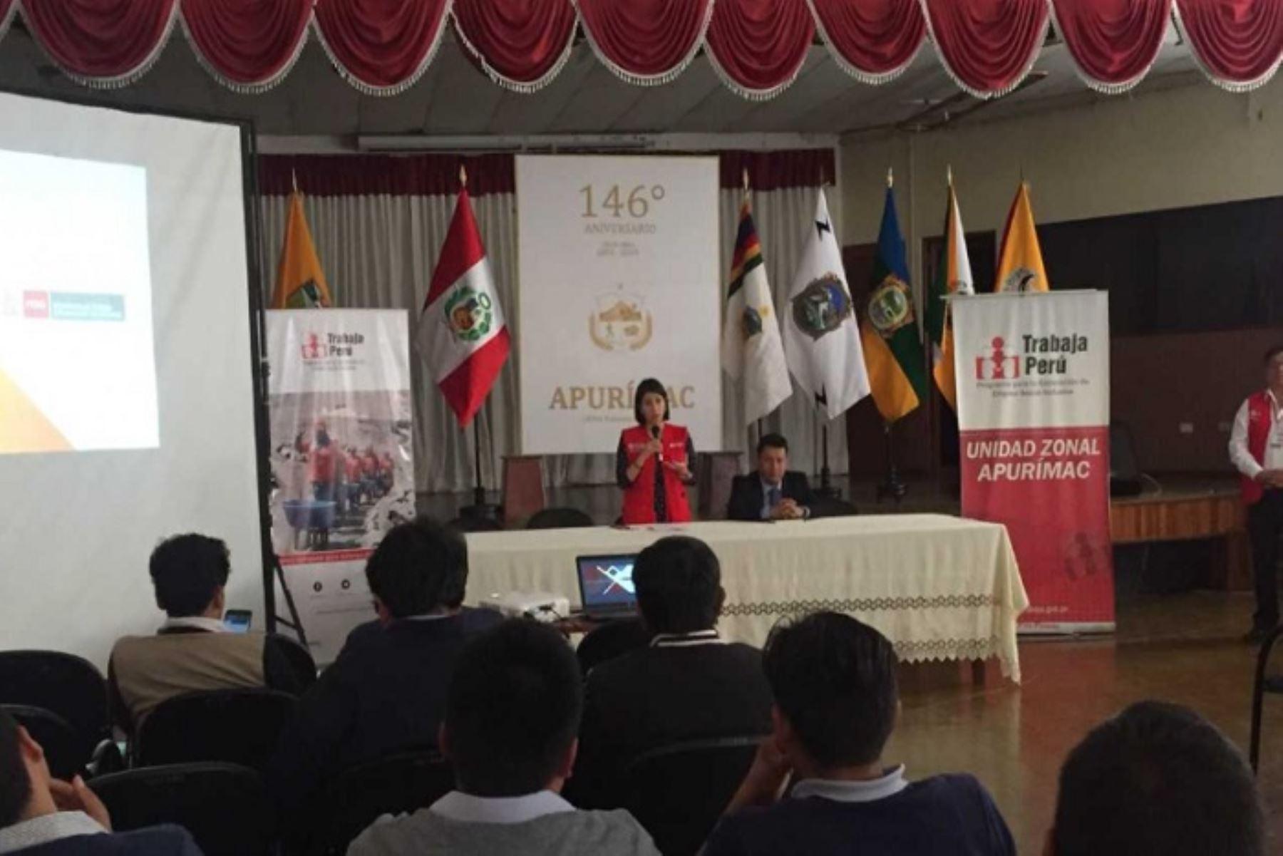 El Ministerio de Trabajo y Promoción del Empleo (MTPE), a través del programa Trabaja Perú, desarrollará 296 proyectos priorizados en todo el país, los cuales generarán más de 17,000 empleos temporales en beneficio de las poblaciones más vulnerables y con una inversión que supera los S/ 67 millones en 20 regiones del país.
