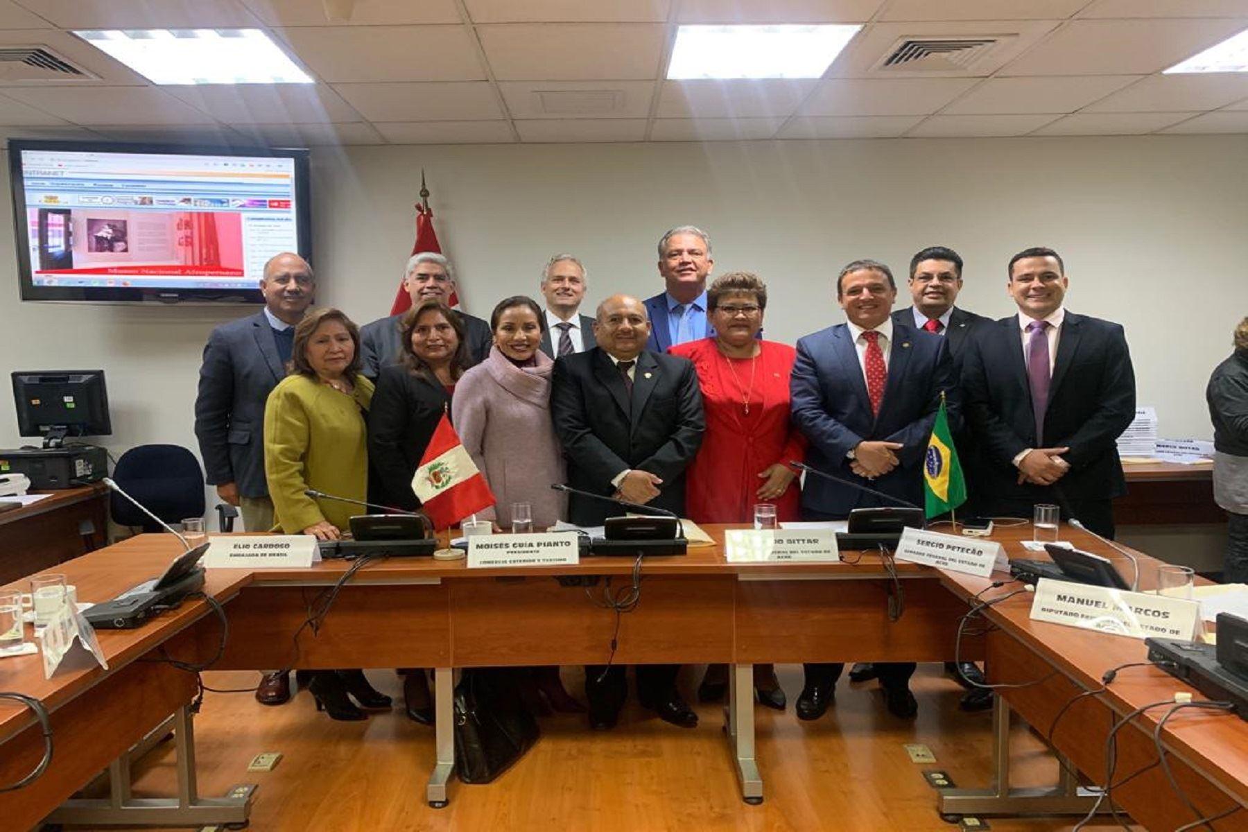 Congreso Perú y Brasil Foto: Difusión