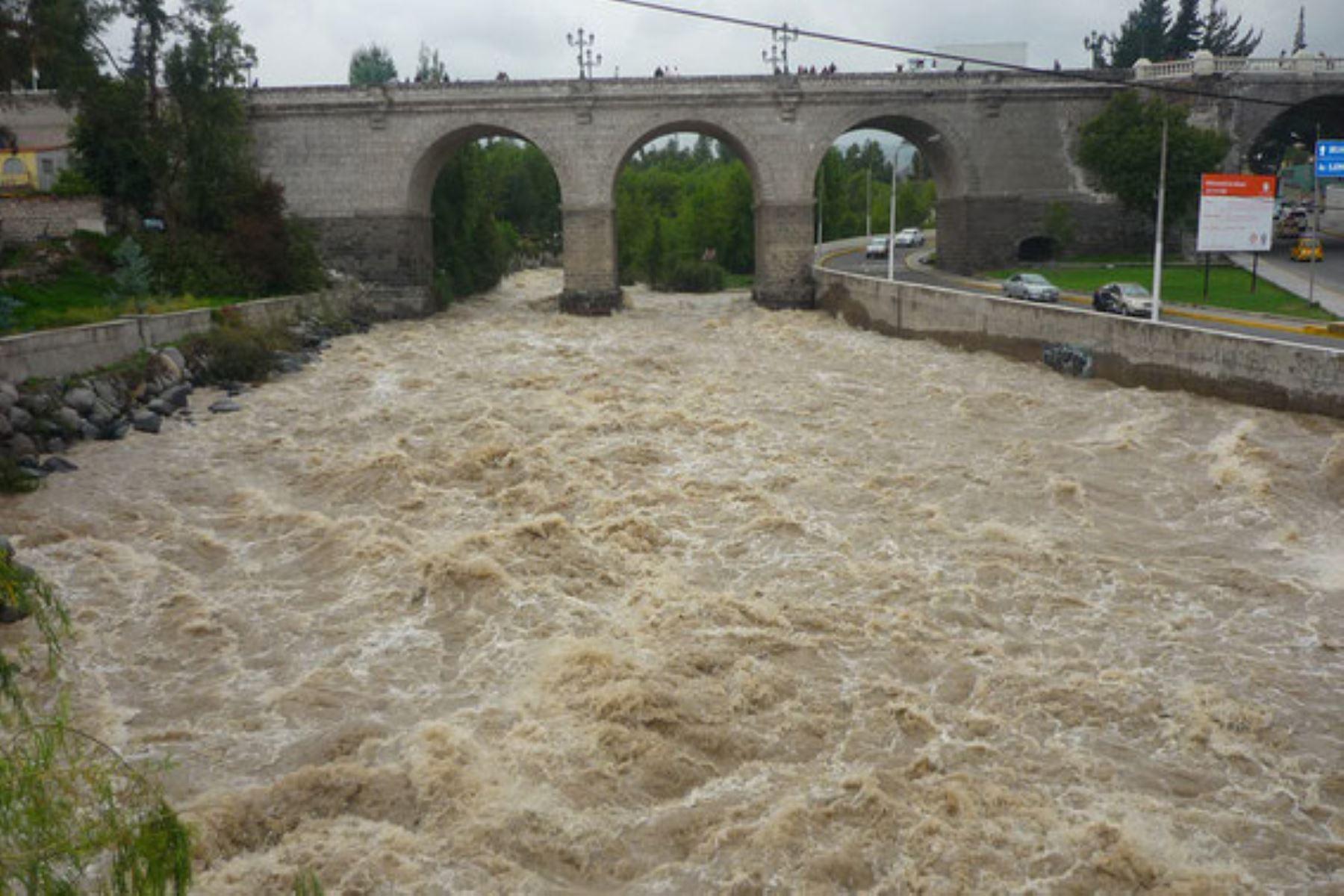 Arequipa: caudal del río Chili supera los 200 metros cúbicos y existe riesgo de desborde, advierte el Senamhi. INTERNET/Medios