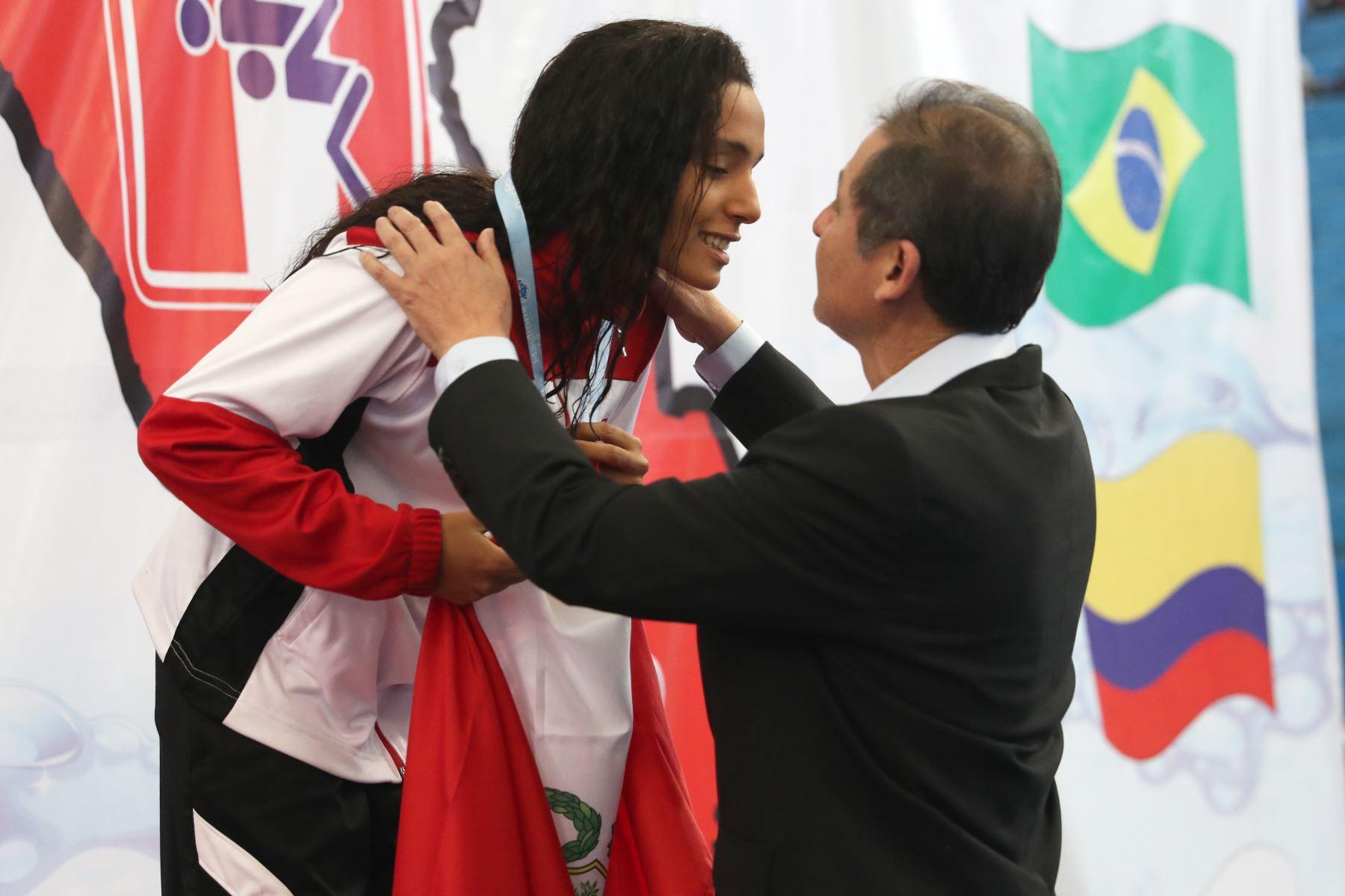 Adriana Buendia de Perú obtiene medalla de bronce en  200m pecho en el Torneo Copa Pacífico de Natación 2019. Foto: ANDINA/Melina Mejía
